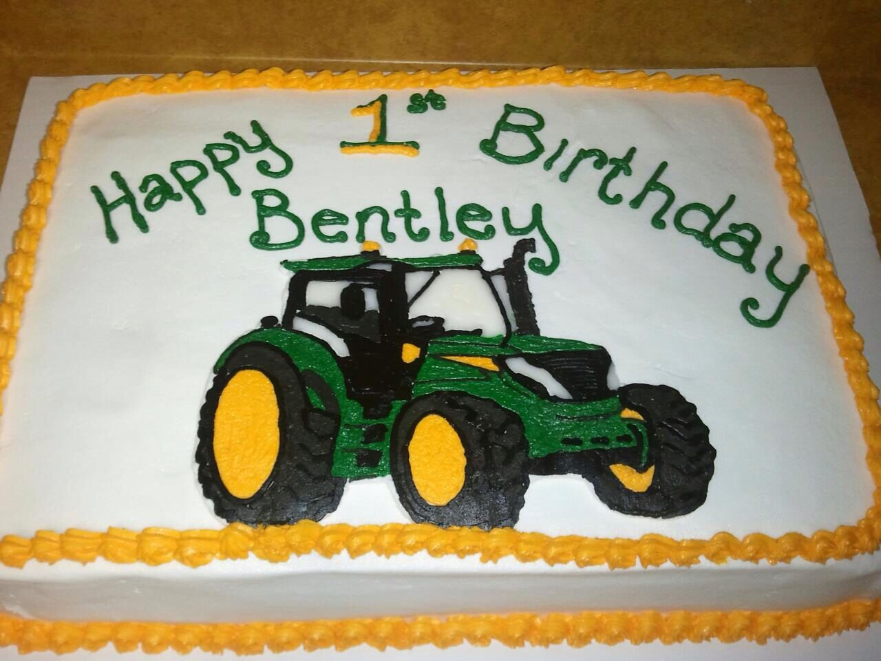 Images Of Tractor Birthday Cake : Tractor birthday cake cakes for Ryder Pinterest