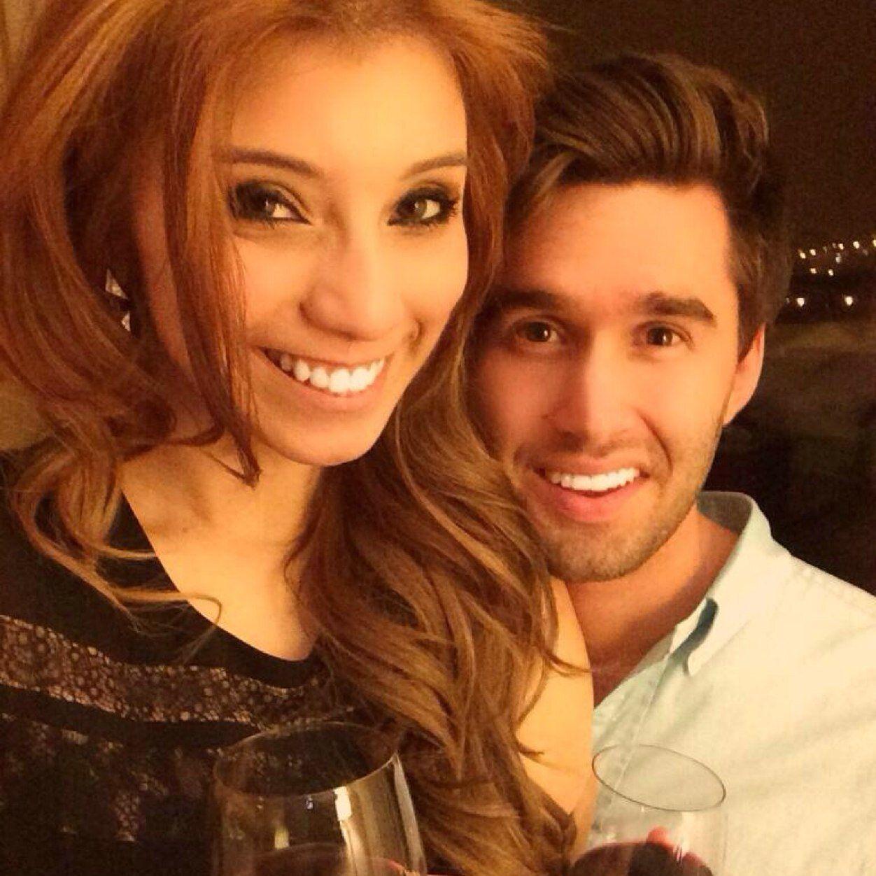 Avi and kirstie pentatonix dating sim