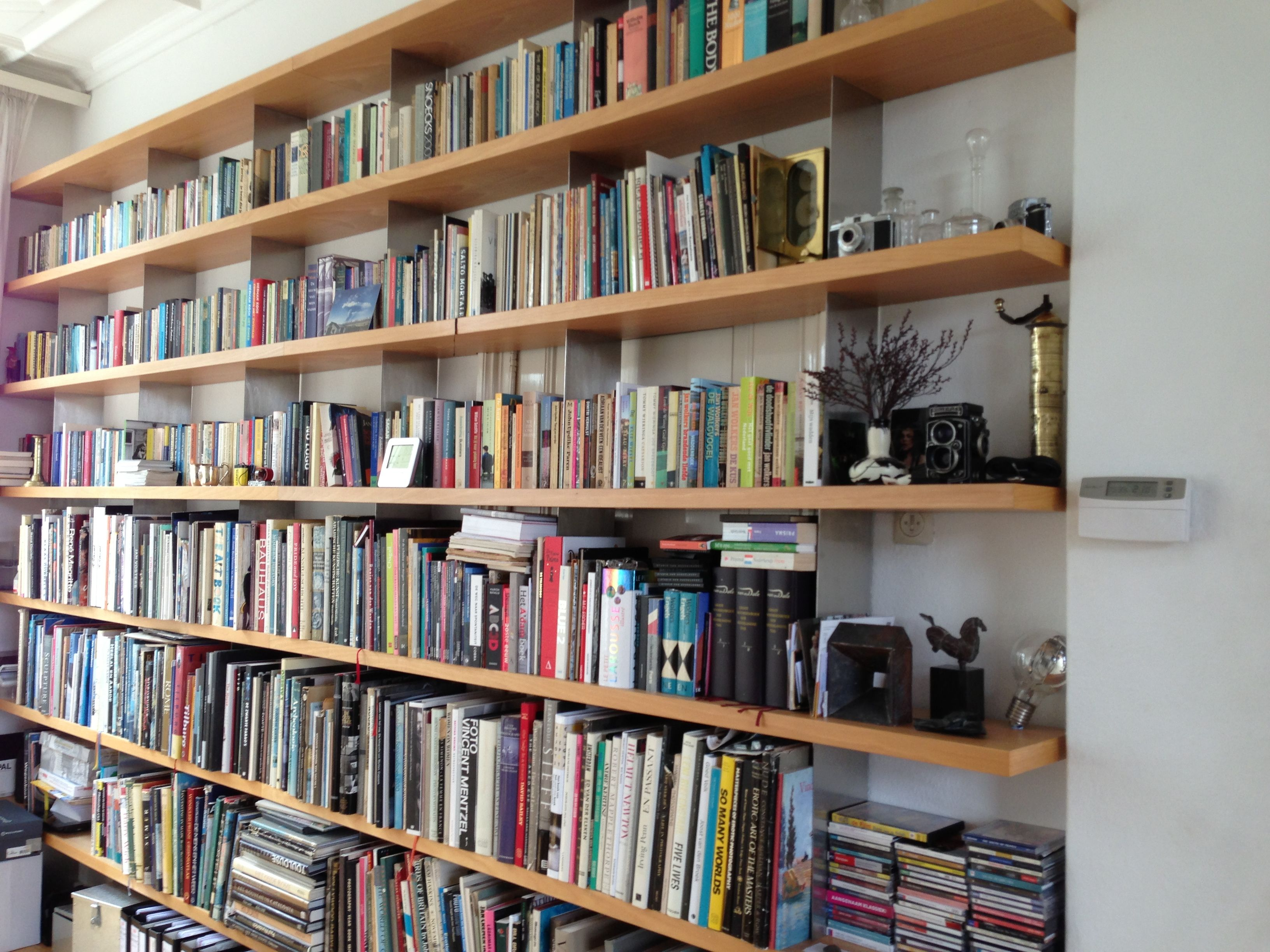 Superb img of Pin by Petry Hoogenboom on Bookshelves & Reading Places Pinterest with #8A5F41 color and 3264x2448 pixels