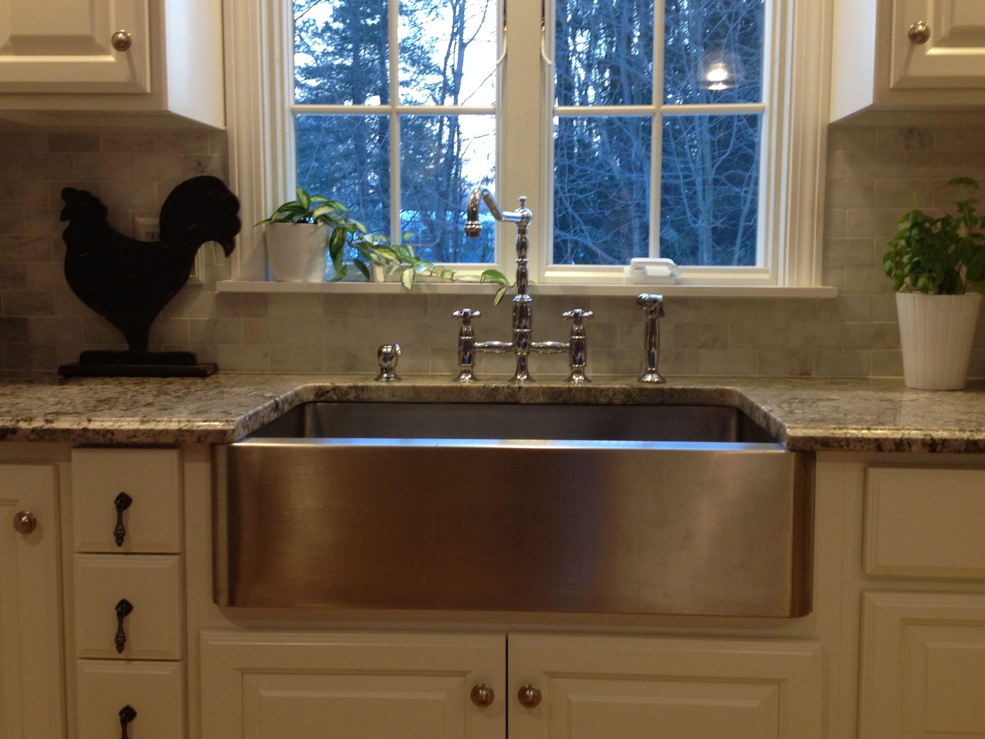 White Kitchen With Farmhouse Sink : White kitchen. Stainless farmhouse sink. Tanglewood Kitchen Pinte ...
