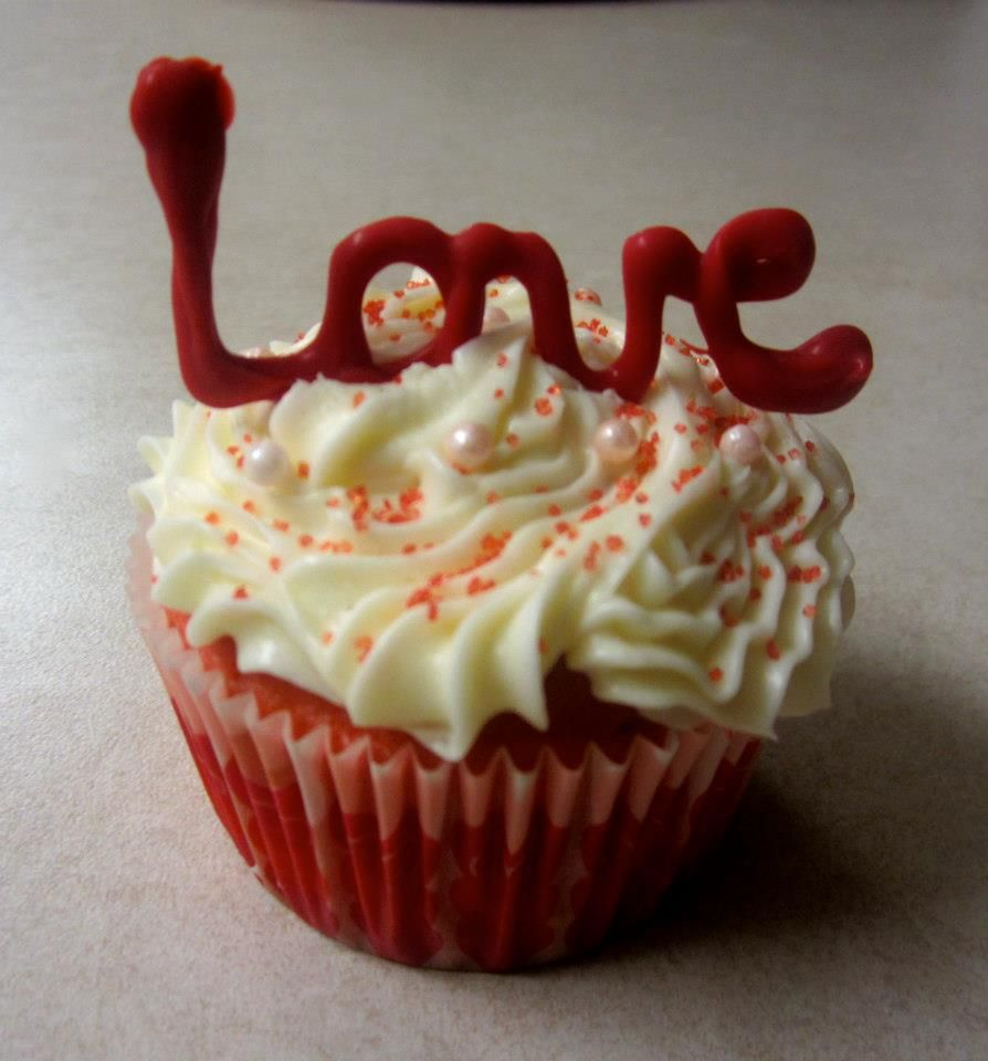 baking a valentine's day cake