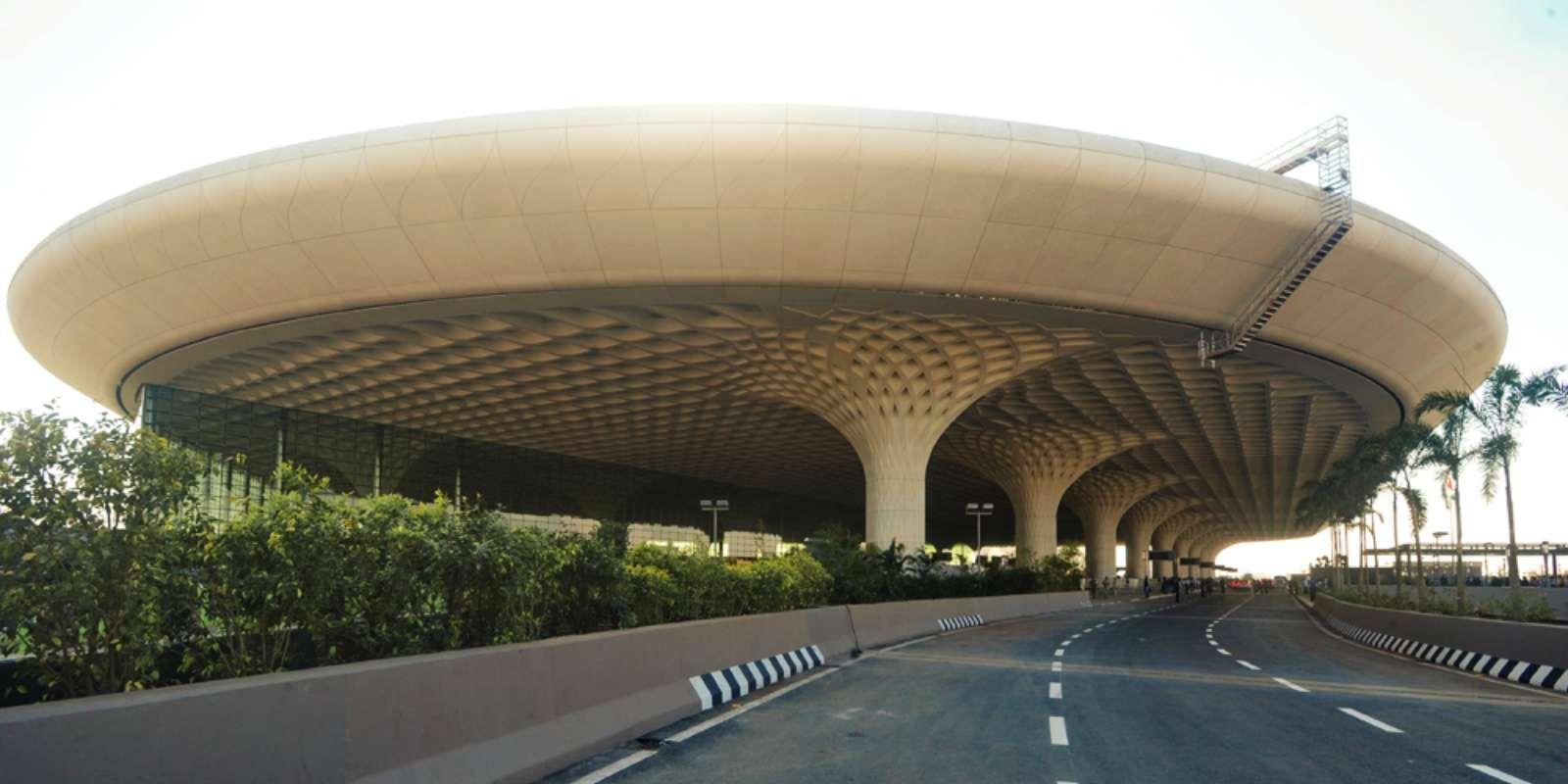 Lối vào của sân bay