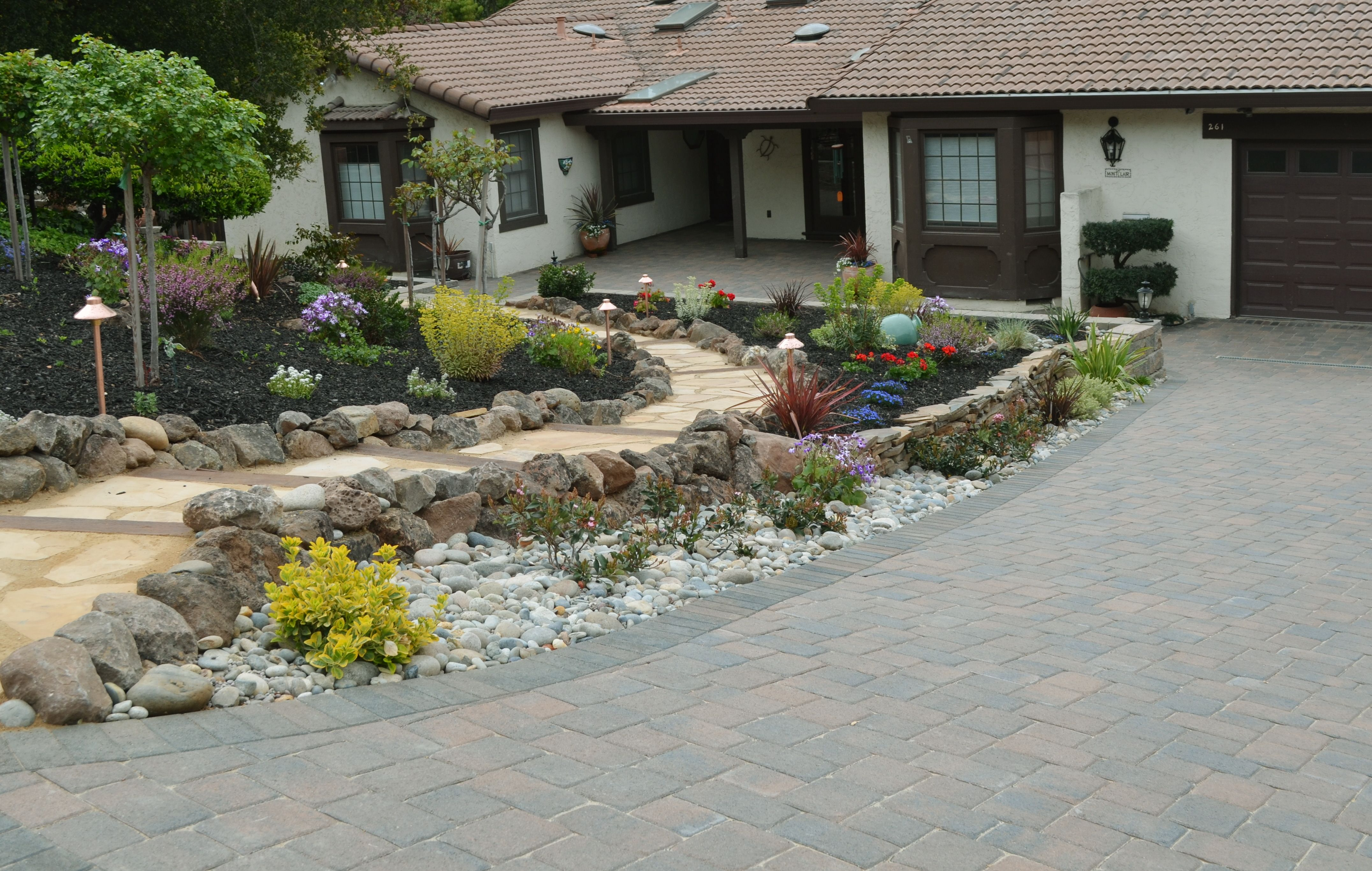 Flagstone stepping stone walkway front entries pinterest - Stepping stones for walkways ...