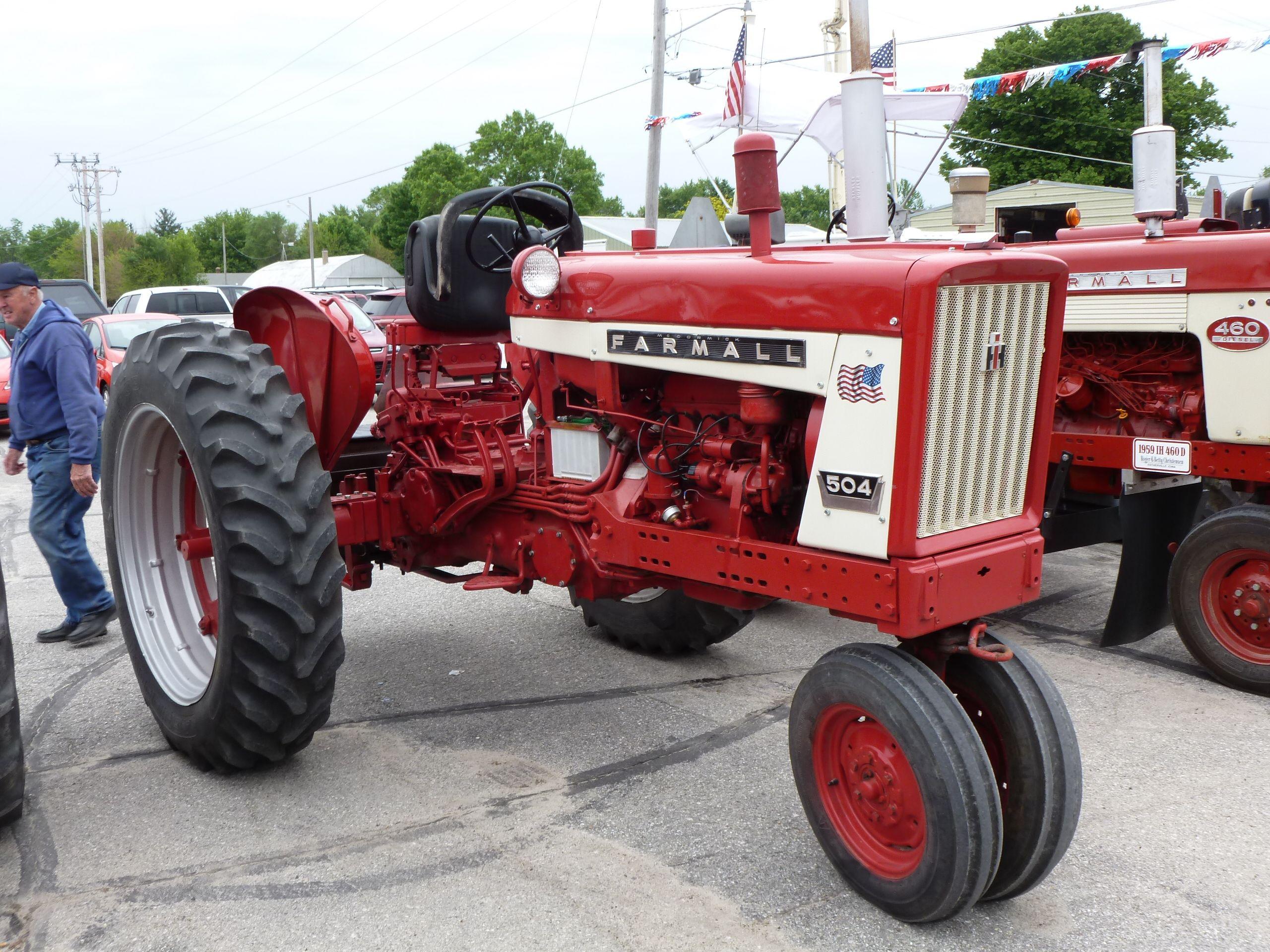 International Harvester 504 Tractor : Farmall international harvester pinterest