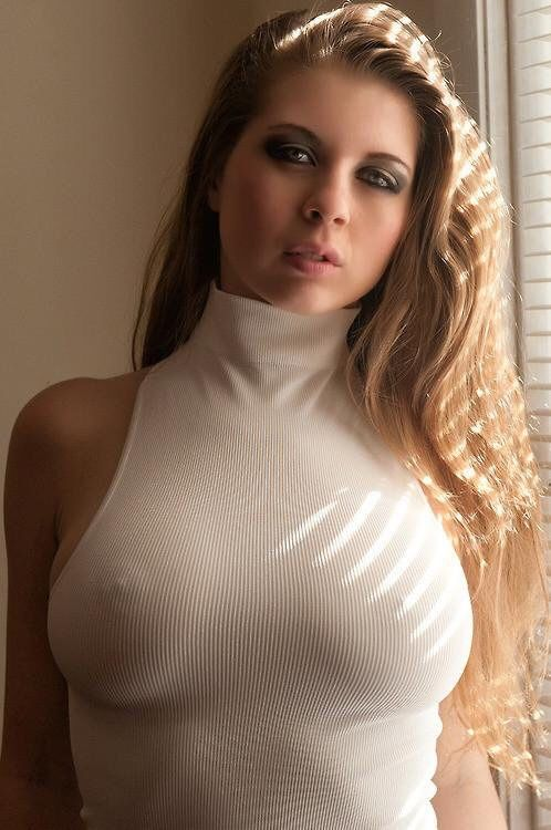 Tight Shirt Big Boobs | Braless Supporters Picture ...