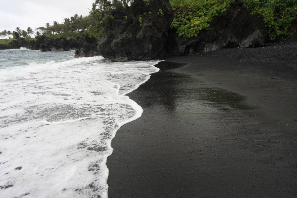 black sand beach in maui wow pinterest