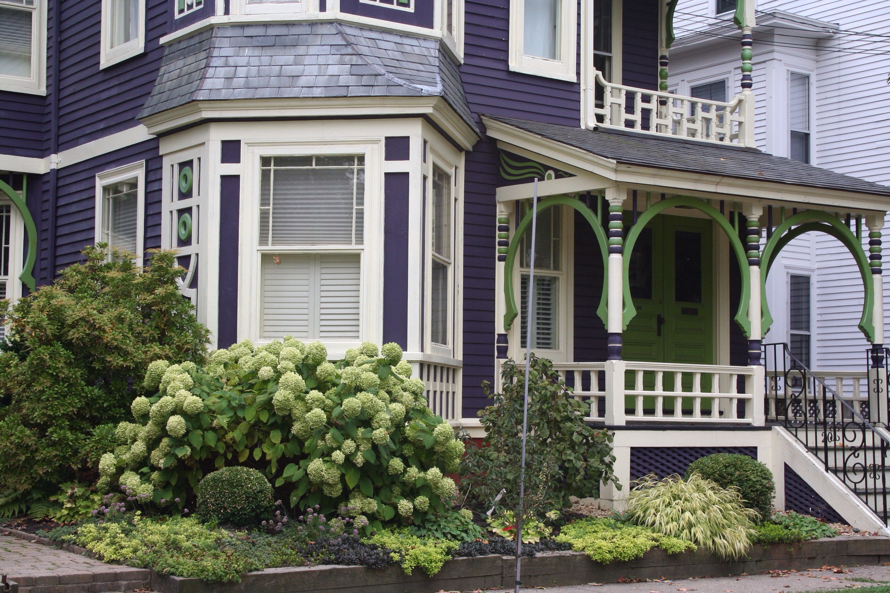Deep purple victorian exterior house paint ideas pinterest - Purple exterior paint image ...