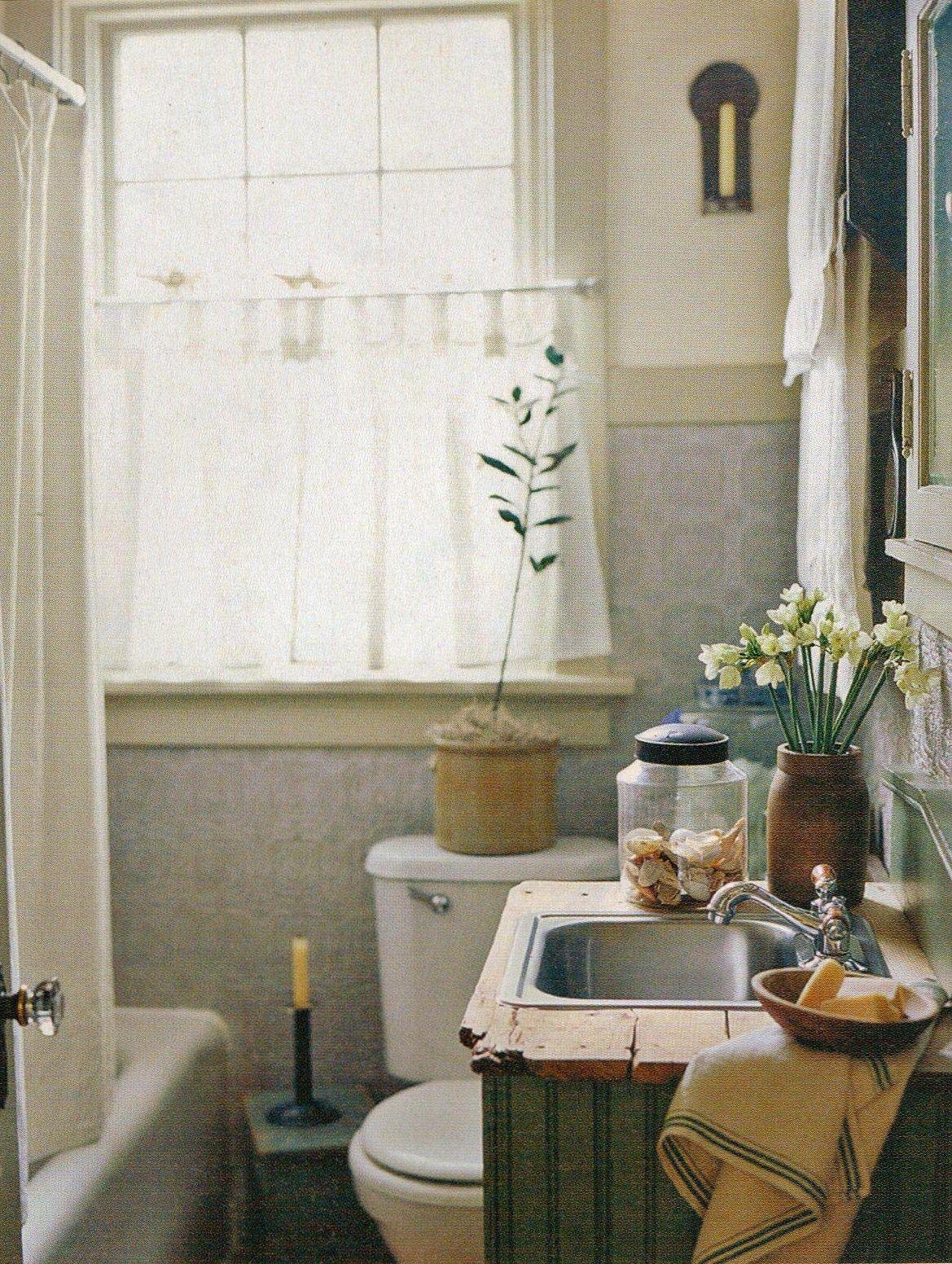 Farmhouse bathrooms bathroom and farmhouse on pinterest for Bathroom ideas farmhouse