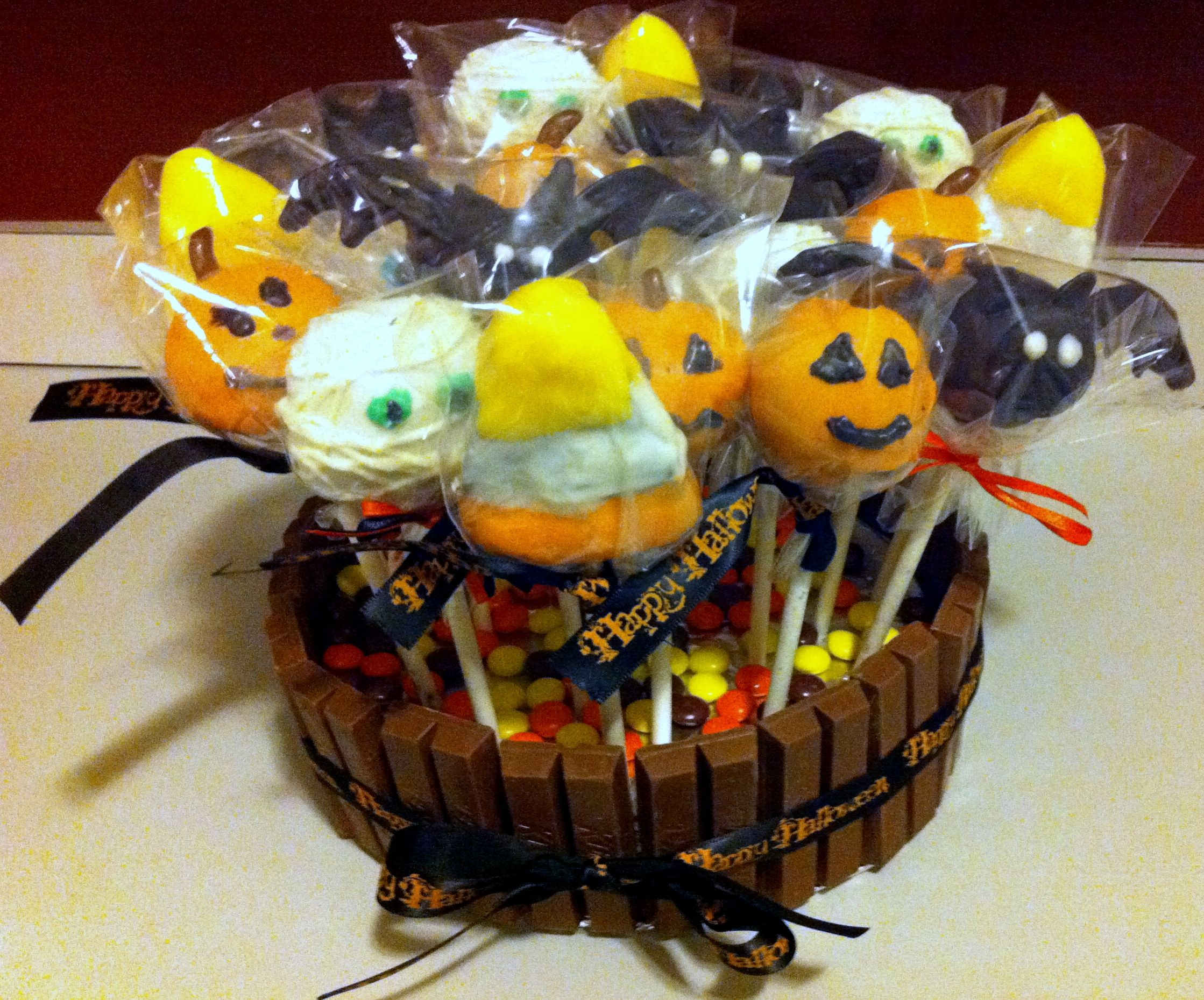 Halloween Cake Decorating Ideas Pinterest : Halloween cake pops! cake decorating Pinterest