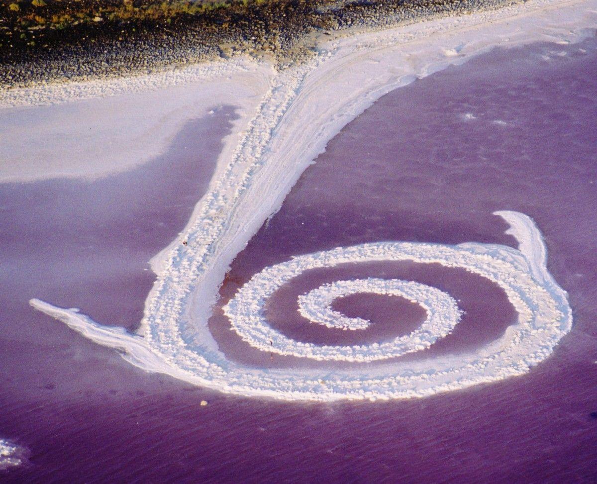 robert smithson spiral jetty essay