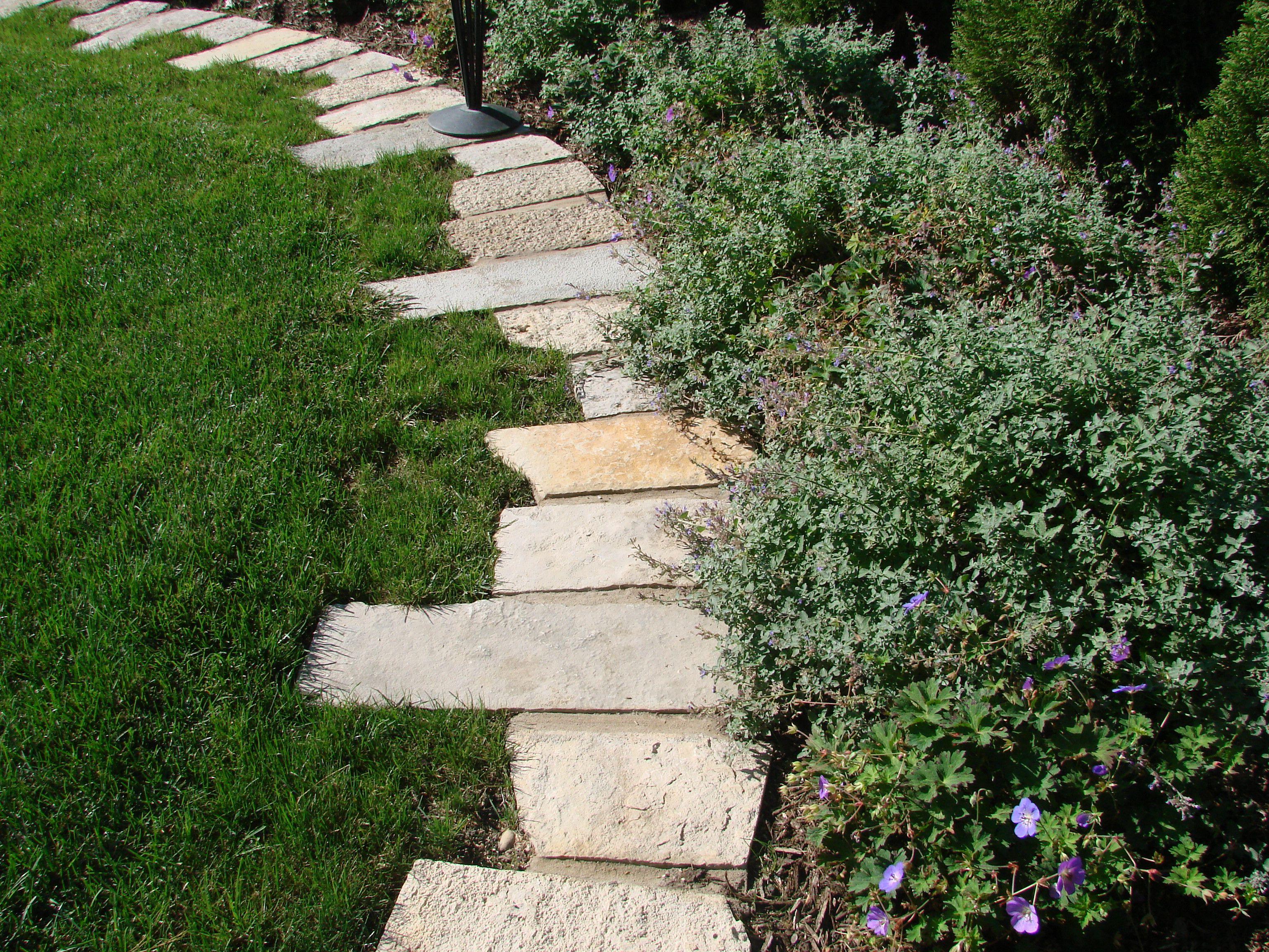 Landscape edging garden beds pinterest for Landscape edging