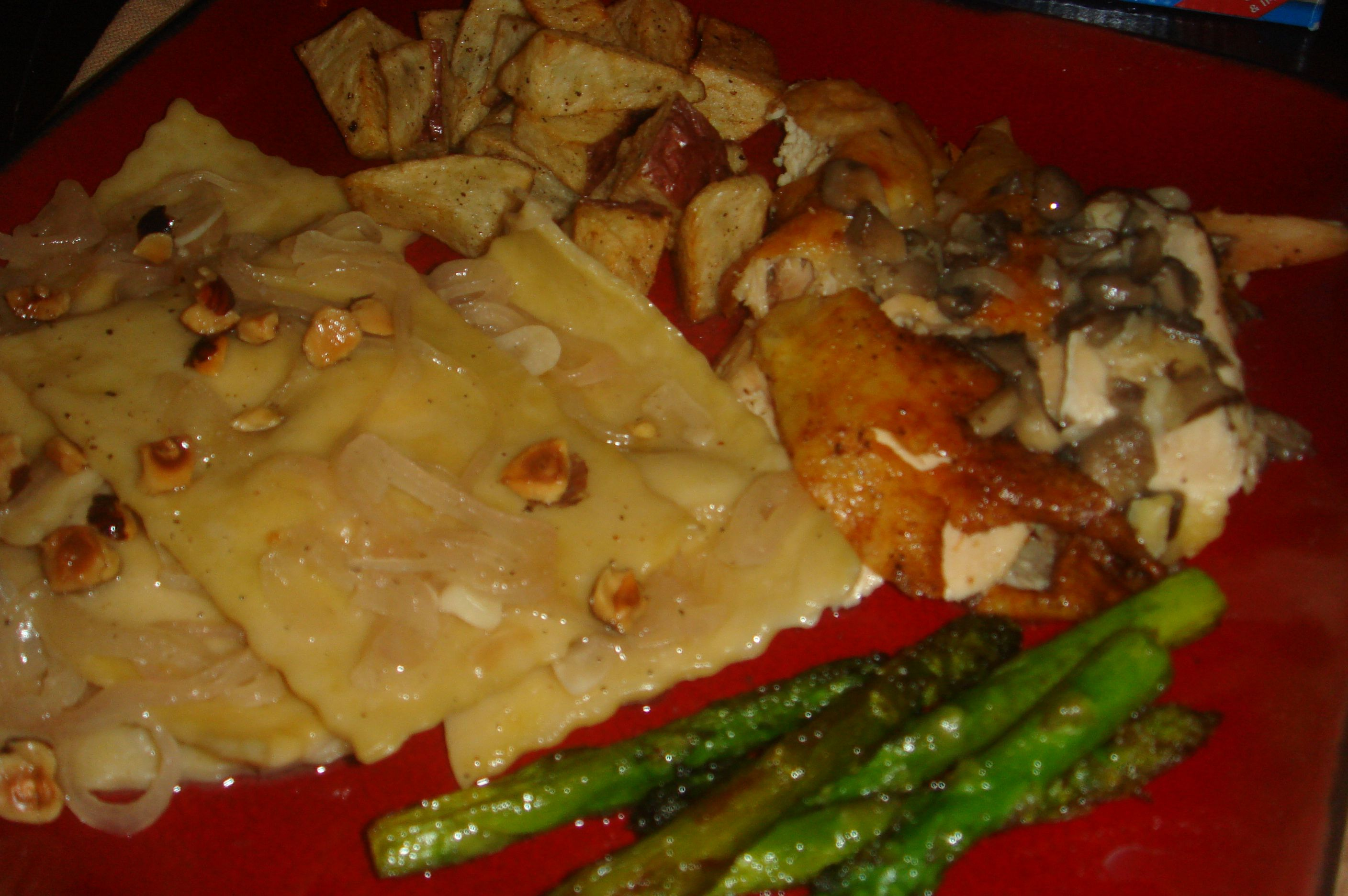 Ravioli With White Wine Butter Sauce And Asparagus Tips ...
