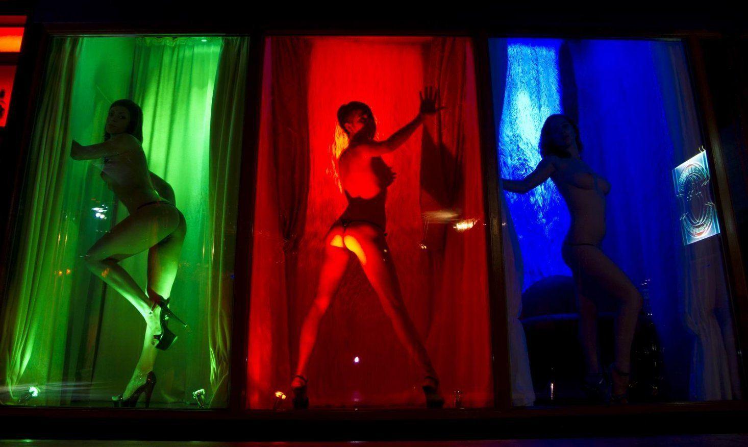 Стриптиз евро выставка 7 фотография