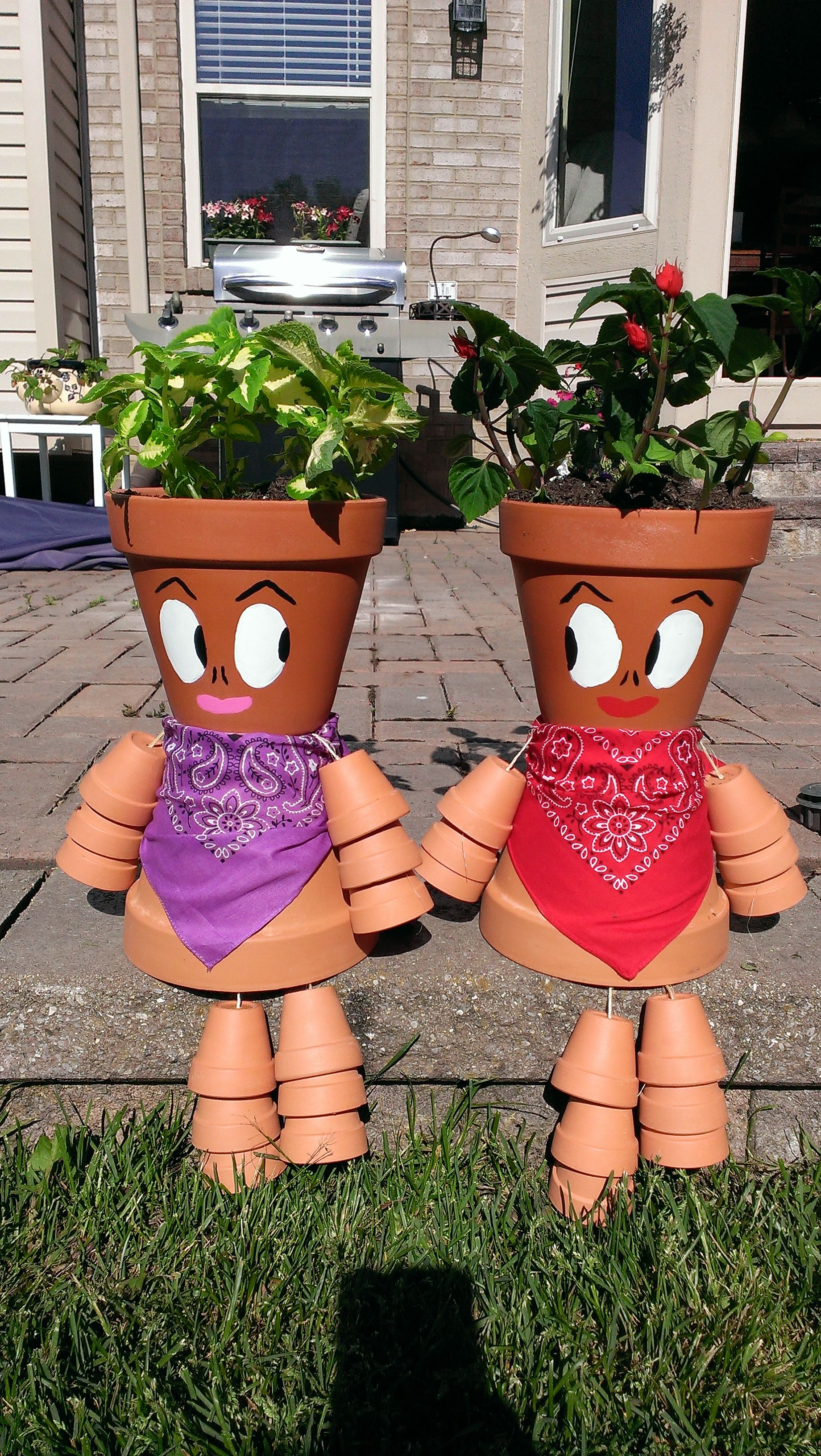 Terra cotta pot people onc pinterest for Bricolaje para jardin