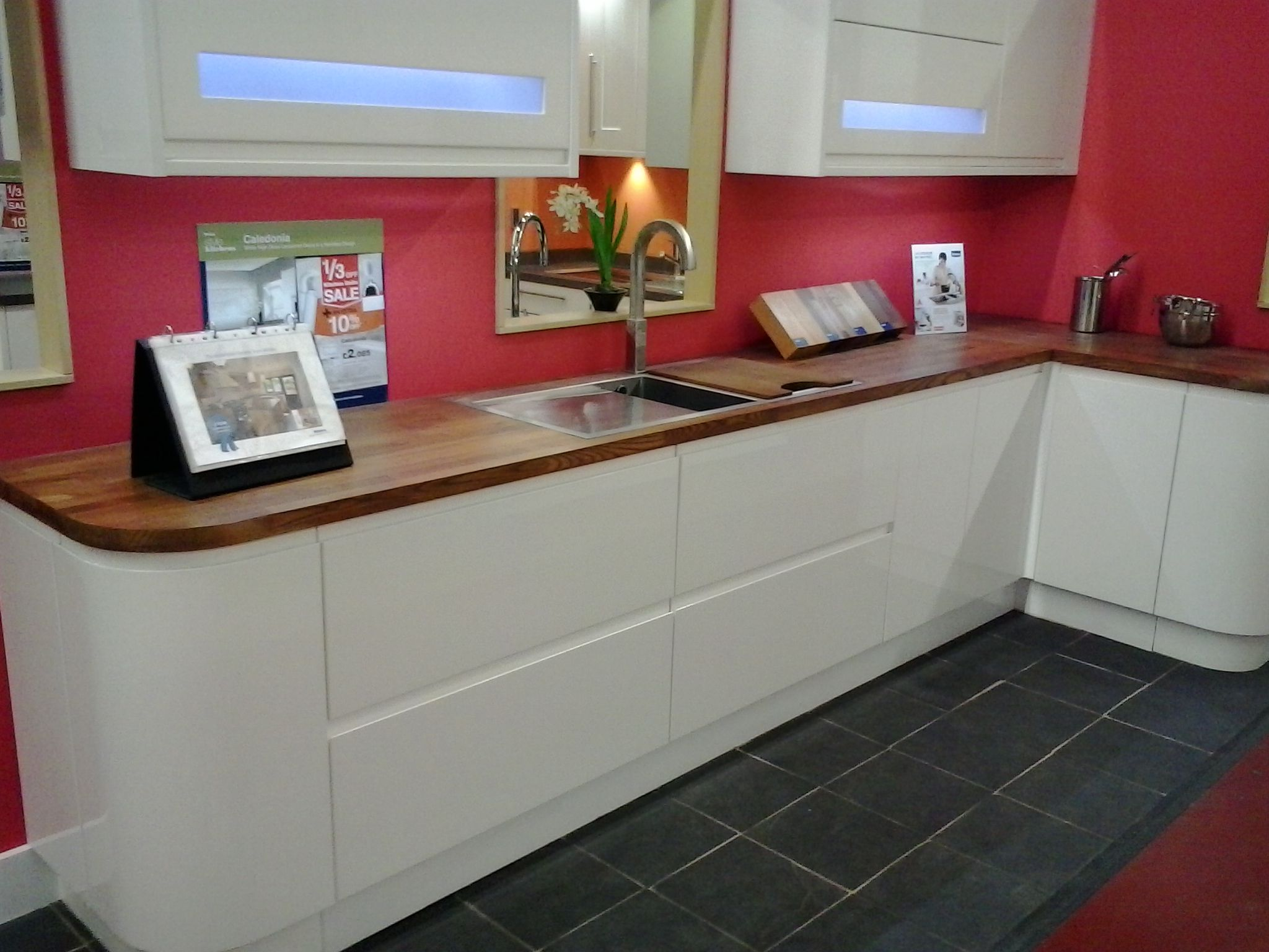 Wicks kitchen white gloss caledonia ideas for new for Wickes kitchen cabinets