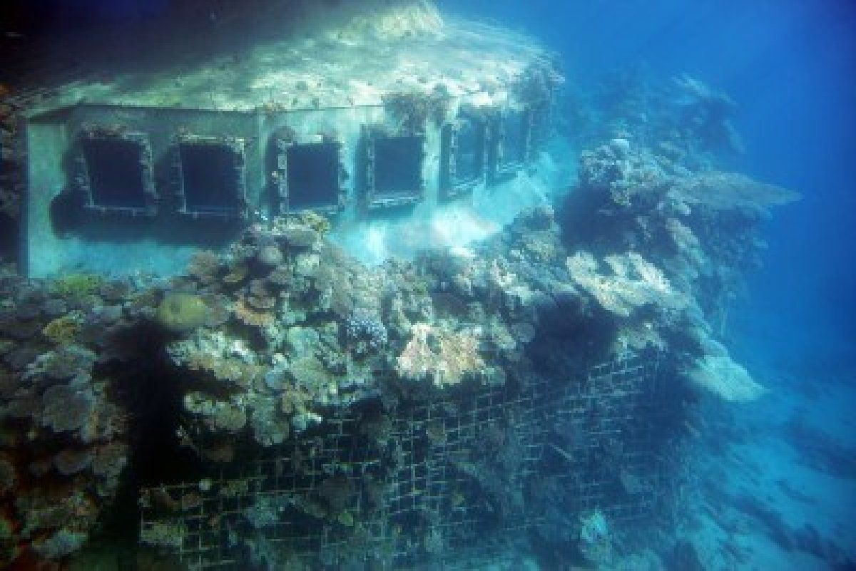 sunken ship From ship wrecks to crazy stories of survival, these are 25 interesting facts about sunken ships.