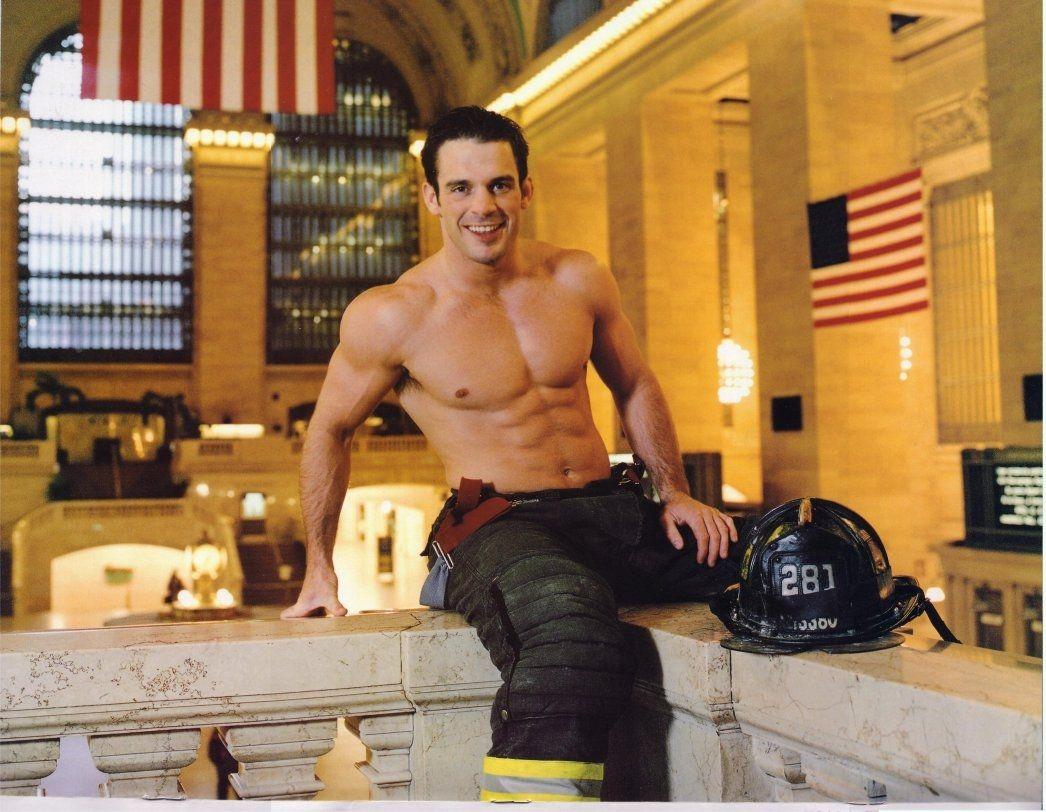 1046 x 812 jpeg 419kB, Rob Pavis, NYC Firefighters Calendar 2003 | Ooh ...
