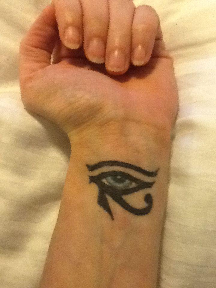 Pin egyptian evil eye tattoo tattoos on pinterest for Tattoo of evil eye