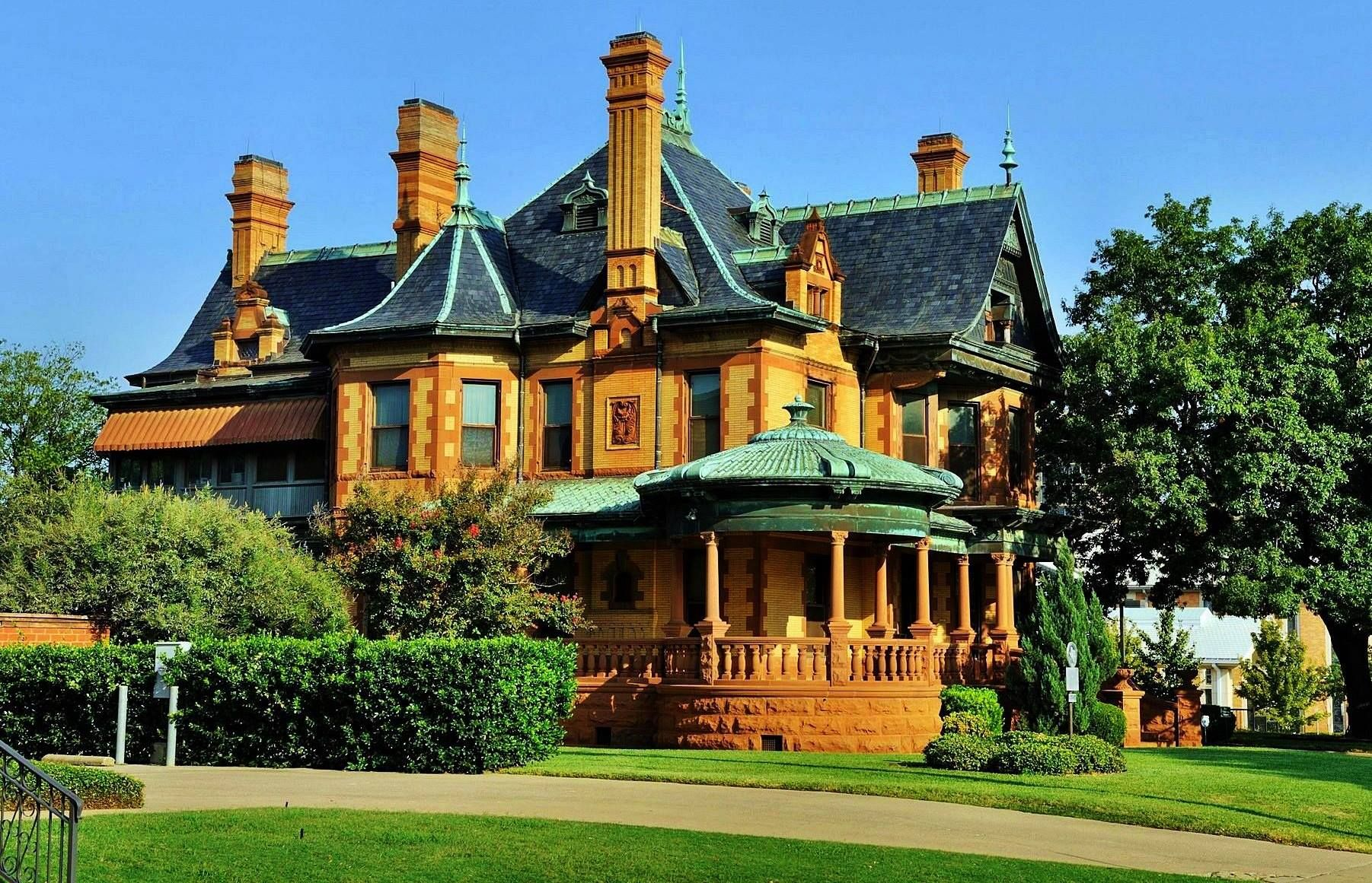 Old Victorian Home Victorian Homes Pinterest