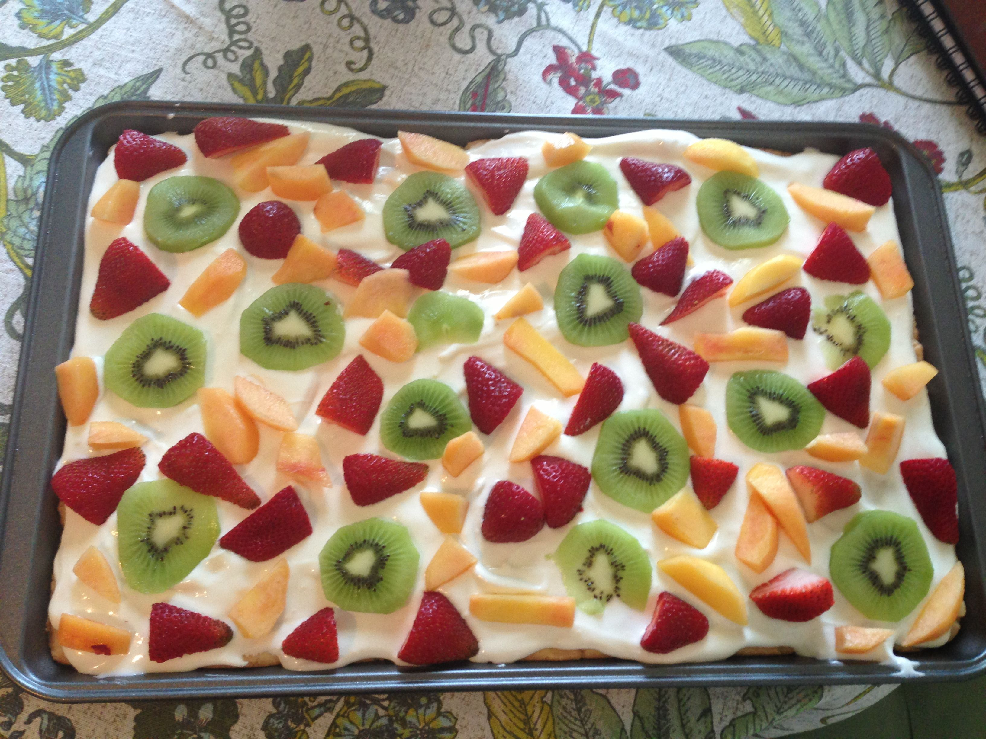 Deep dish fruit pizza | What's Cooking | Pinterest