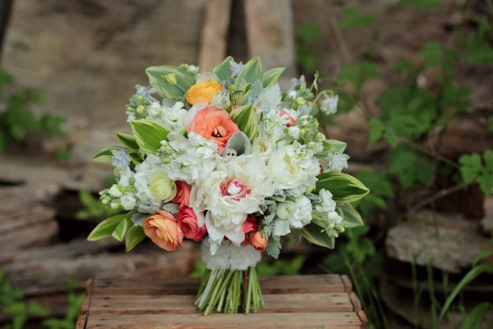 Pin By Petals Vermont Wedding Flowers On Wedding Bouquets Pinterest