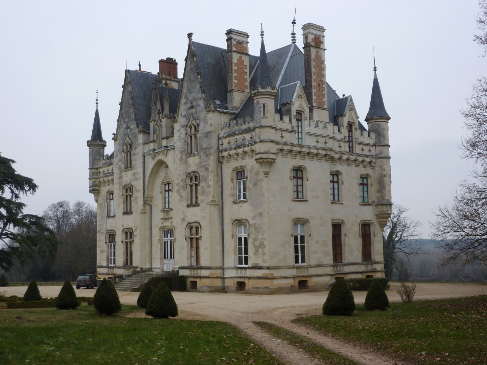 chateau de brignac pays de la loire ch teaux de la loire pinter. Black Bedroom Furniture Sets. Home Design Ideas
