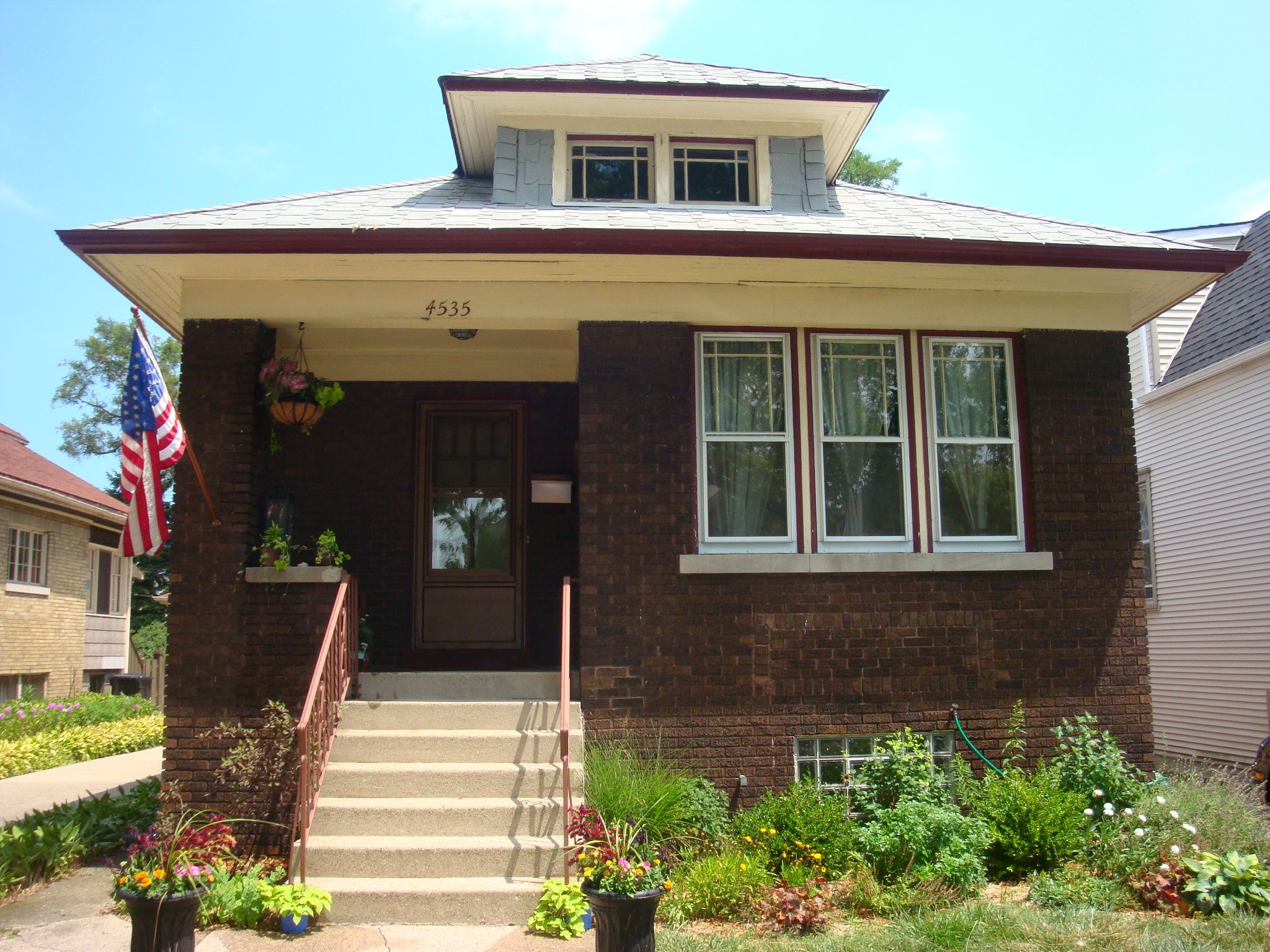 Chicago bungalow house ideas pinterest for Bungalow house chicago