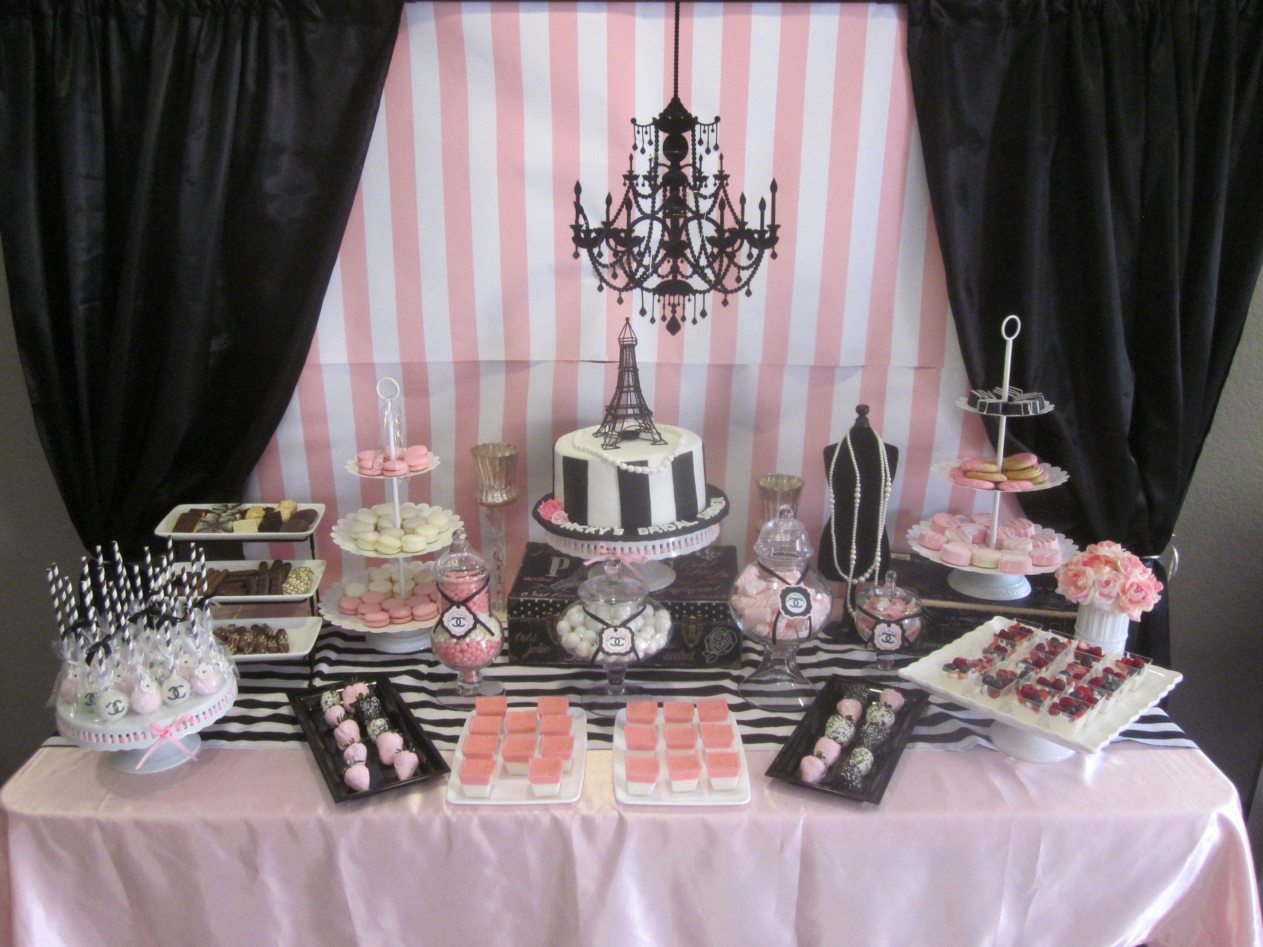 Paris themed sweets table nickoles bridal shower ideas for Set de table epais