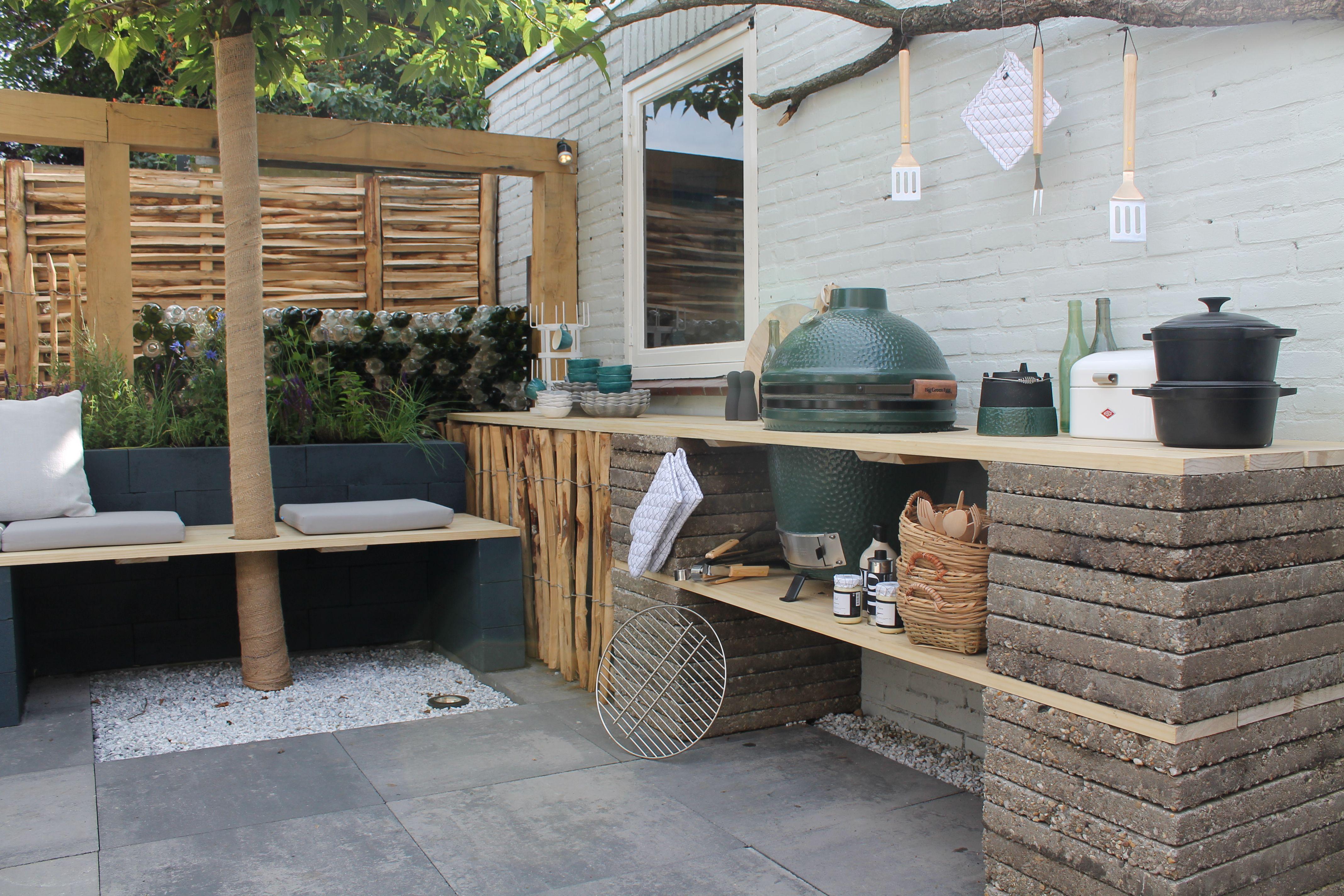 Buitenkeukens het campeergevoel in eigen tuin cakeje van eigen deeg - Keuken steen en hout ...