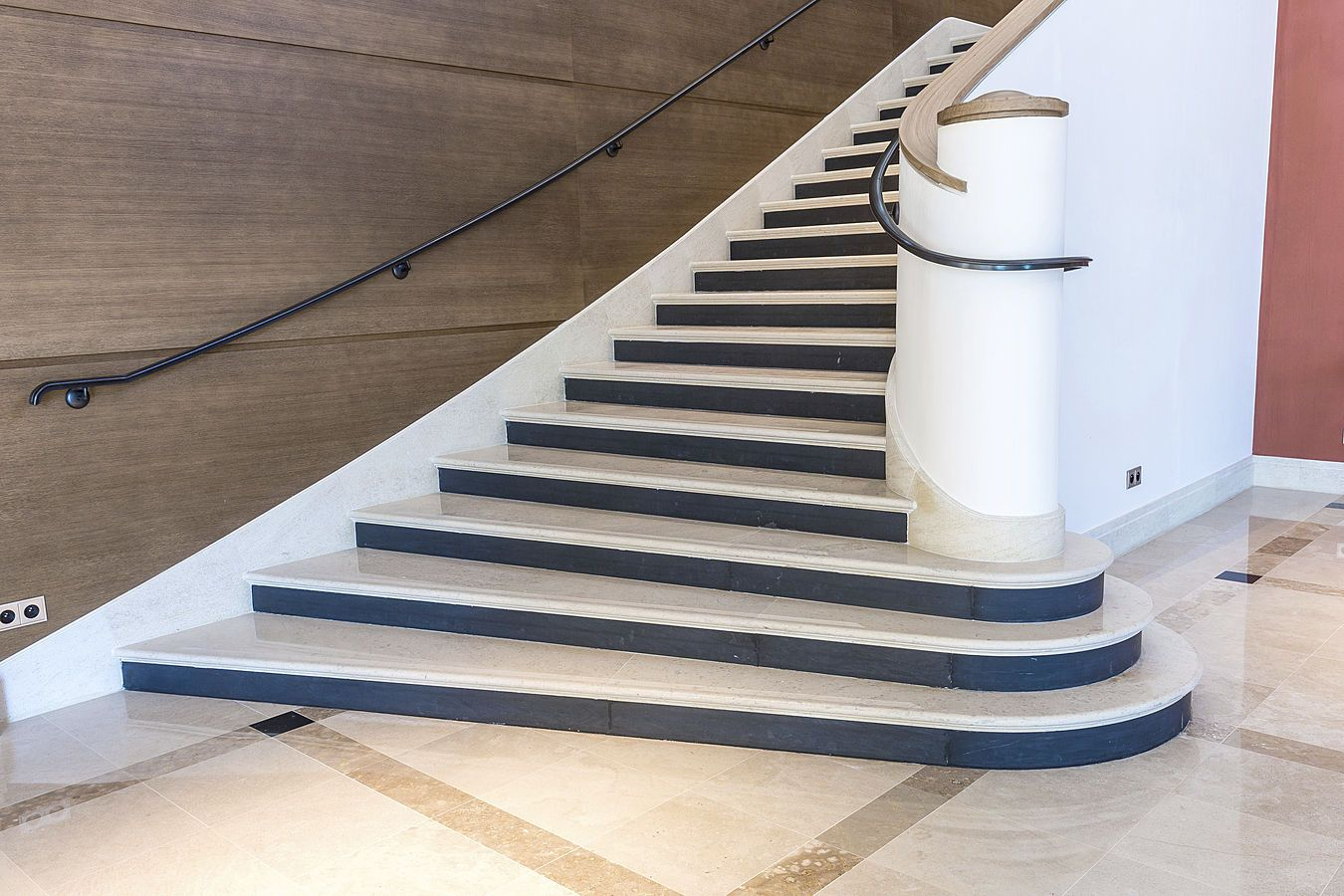 pin escalier beton on pinterest. Black Bedroom Furniture Sets. Home Design Ideas