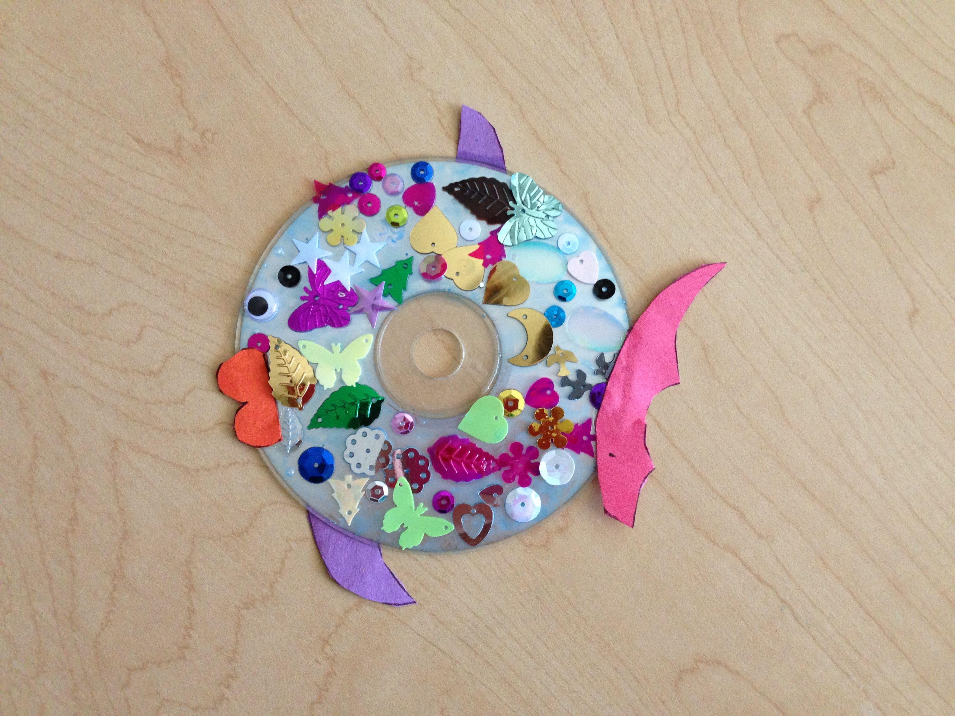 Rainbow fish craft the image kid has it for Rainbow fish craft