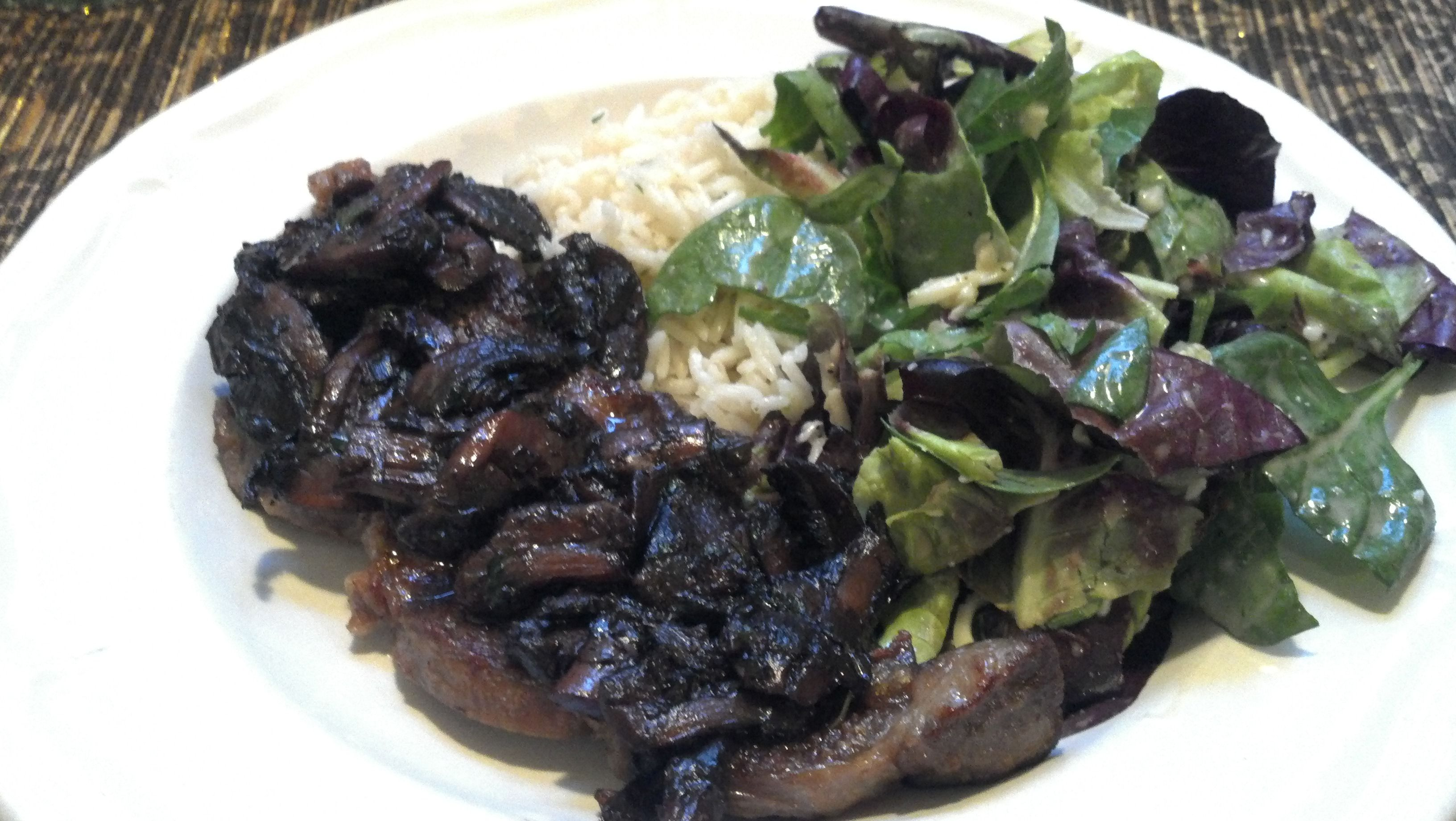 Steak With Burgundy Mushroom Sauce Recipe — Dishmaps