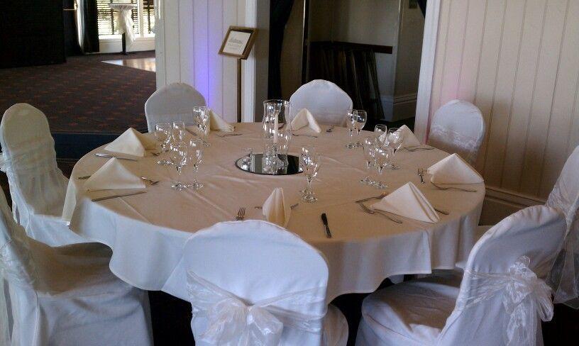 Basic table set up  My Wedding Inspiration  Pinterest