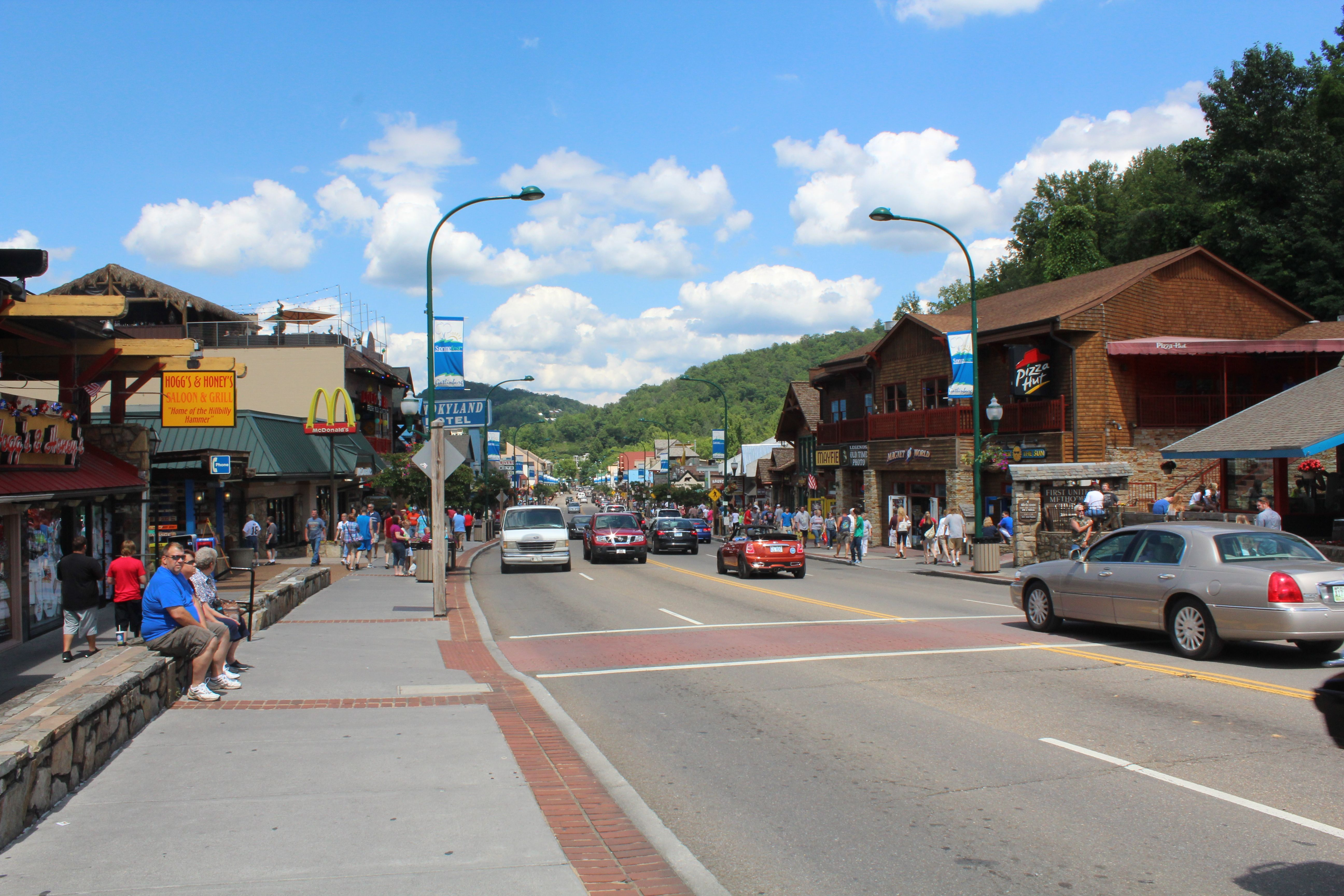 Downtown Gatlinburg Tn Been There Done That Pinterest