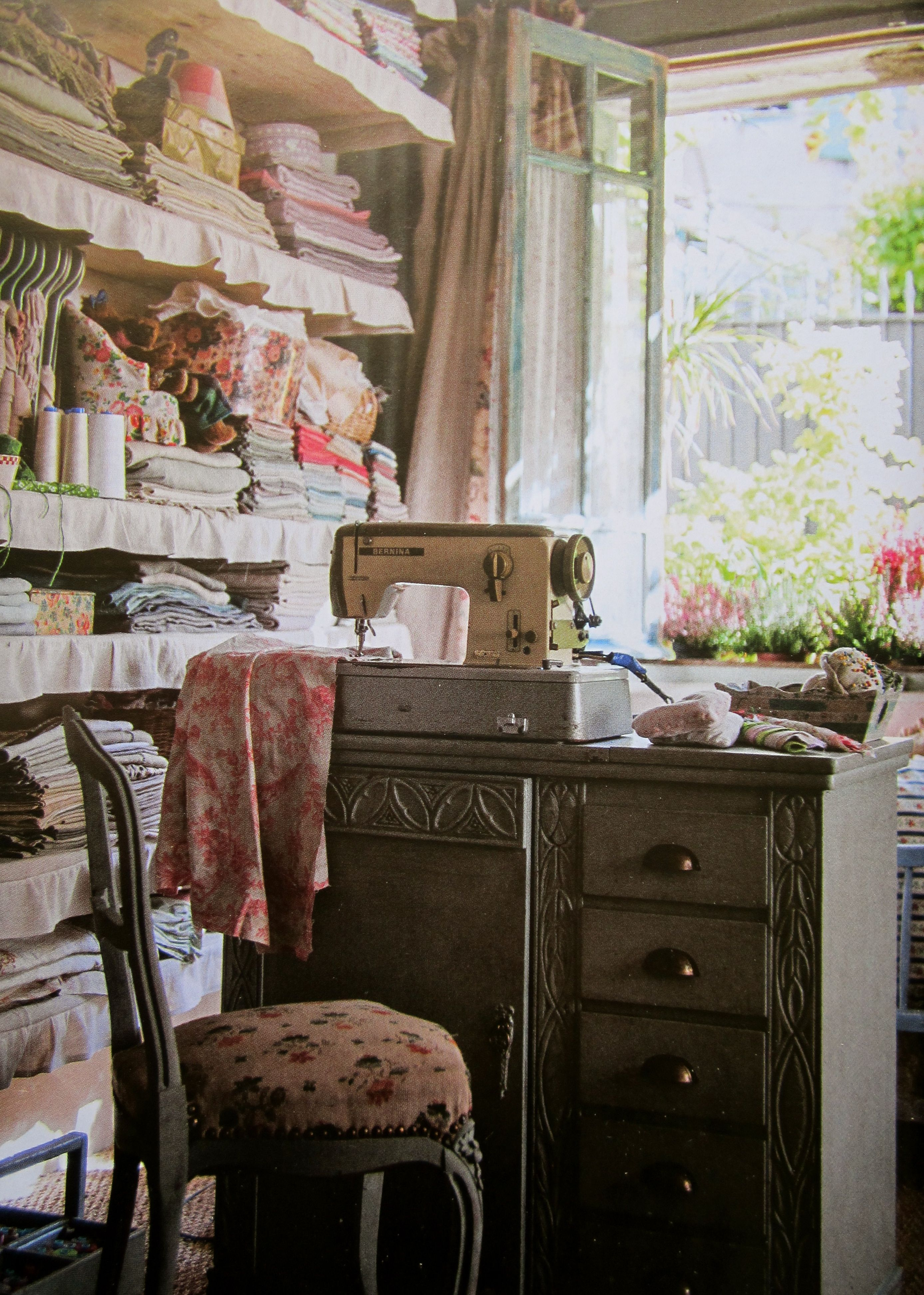 French Sewing Room 2775 x 3887