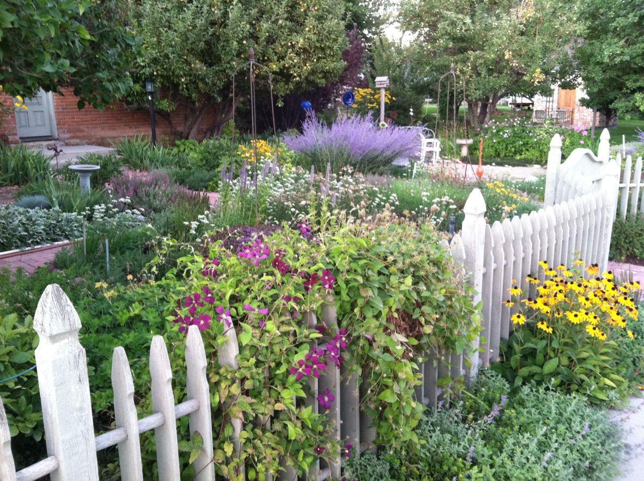 Midway ut cottage garden home garden ideas pinterest for Cottage garden ideas