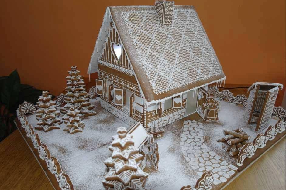 Cool Gingerbread House Christmas Pinterest