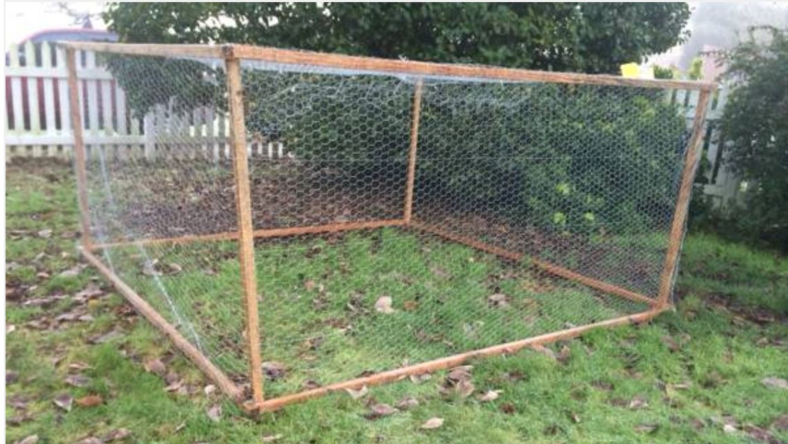 easy to make chicken run chicken coops runs pinterest