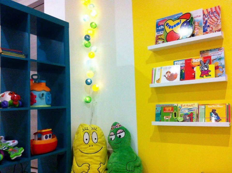Salle de jeux coin lecture d co chambre d 39 enfants - Coin lecture chambre enfant ...