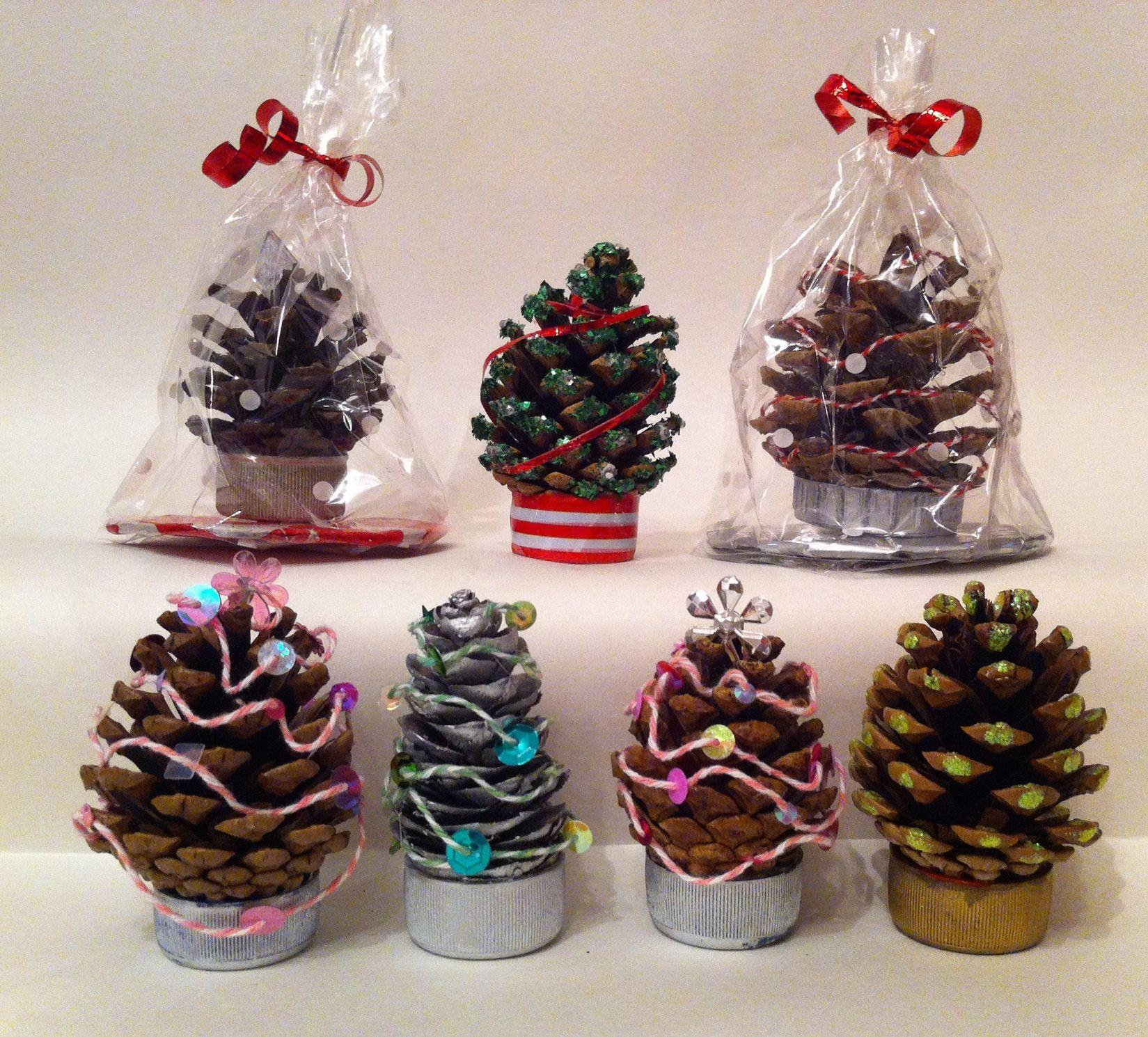 Mini pinecone christmas trees crafts pinterest for Pine cone christmas tree craft project