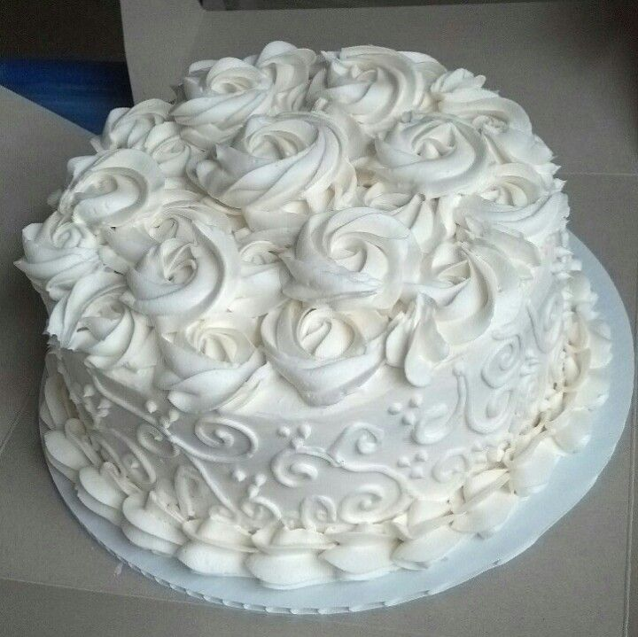 Cake Decorating Ideas Bridal Shower : Simple bridal shower cake #FrostBite Bridal Shower Ideas!!! Pinte?