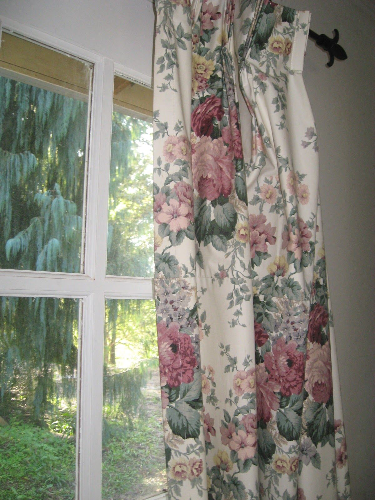 Really Like The Curtains Vintage Rose Cottage Style Shabby Chic