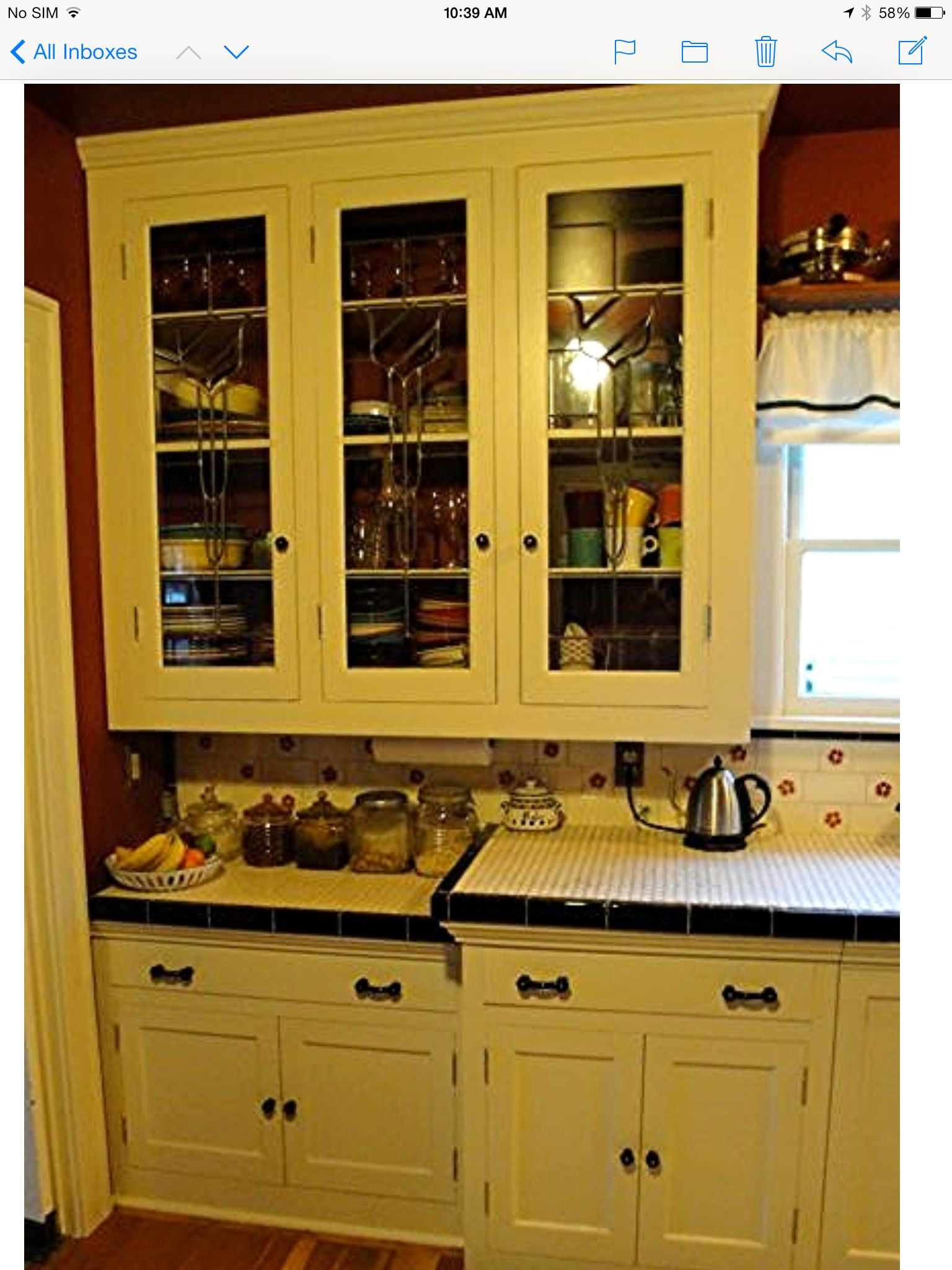 Kitchen cabinets 1920s 1930s krazy for kitchens kitchen for 1920 kitchen cabinets