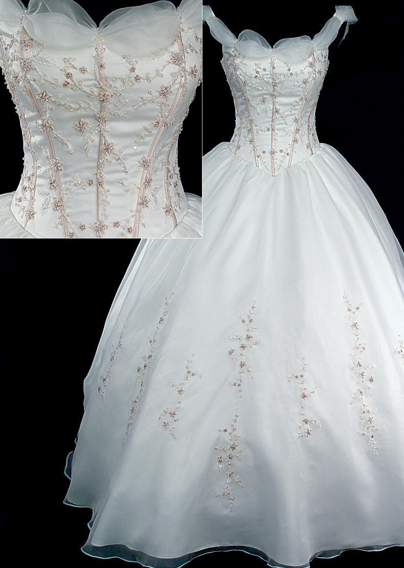 Snow white dress disney princess wedding dress pinterest for Prom dresses that look like wedding dresses