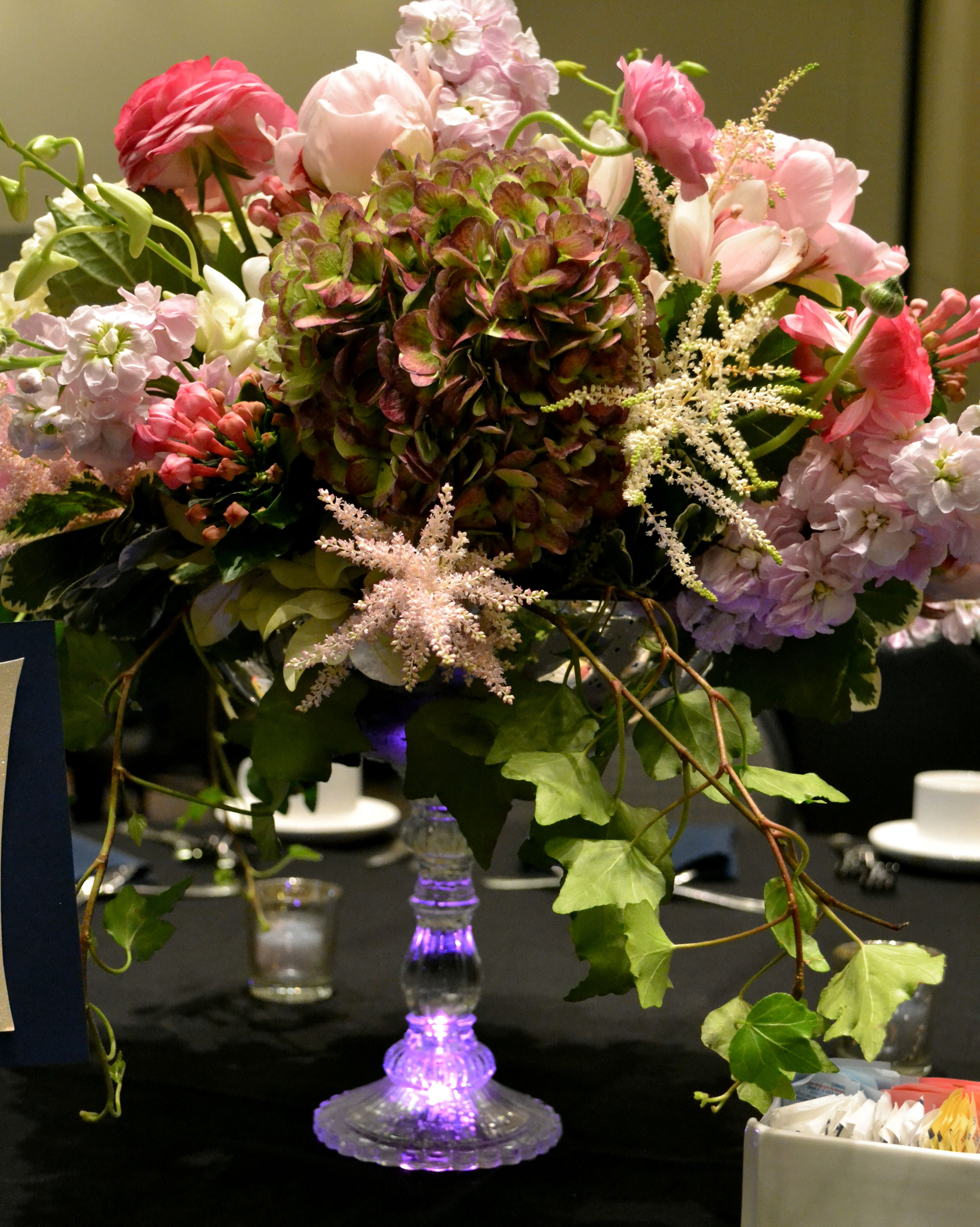 Middle Sized Center Piece Wedding Flowers Set Up Pinterest
