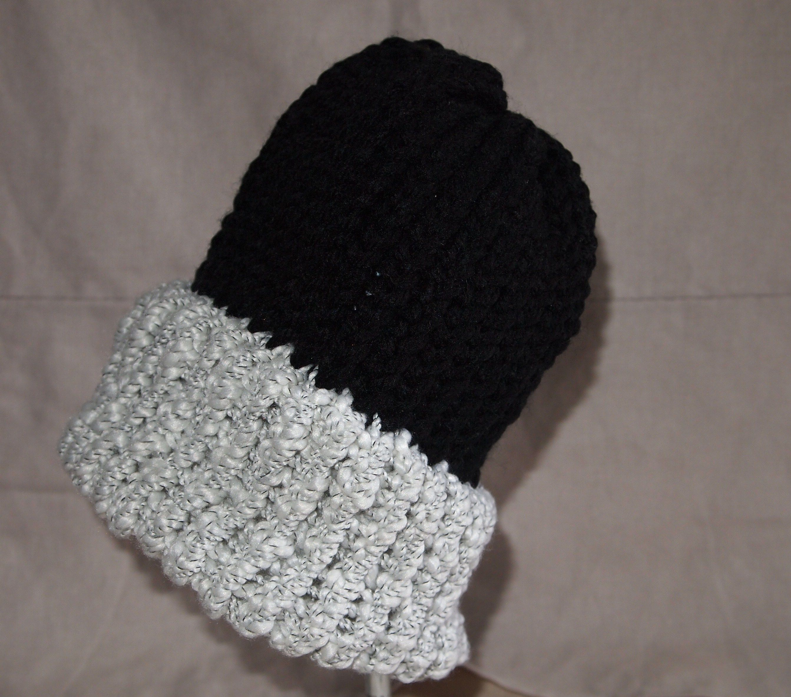 Knitted with round loom. knitting/crochet/sewing Pinterest