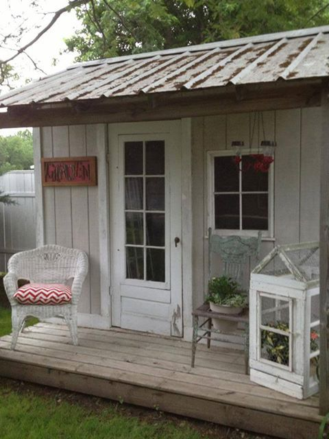 Pinterest the world s catalog of ideas for Very small garden sheds