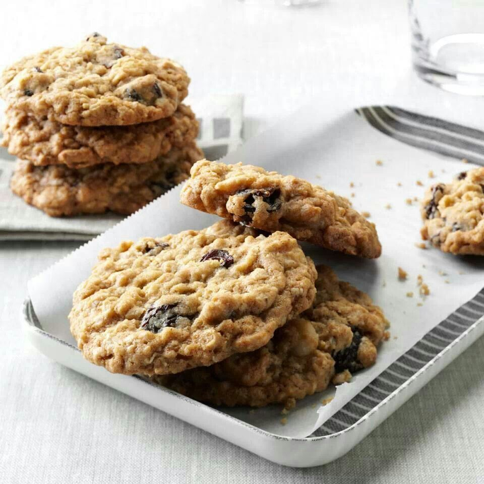 Oatmeal Chocolate Dried Cherry Cookies