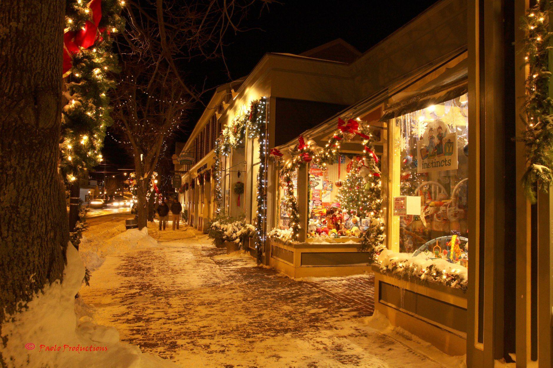 feels like home | Christmas at home on Island | Pinterest