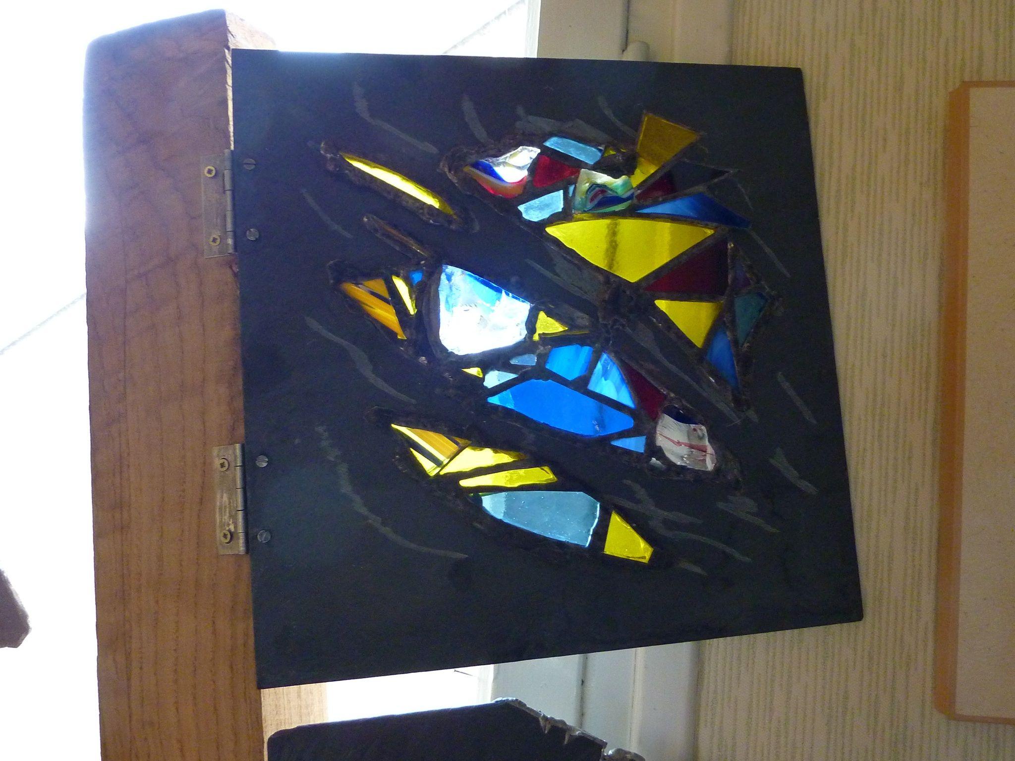 Volet de fen tre vitrail bijoux de fenetre pinterest for Fenetre en vitrail